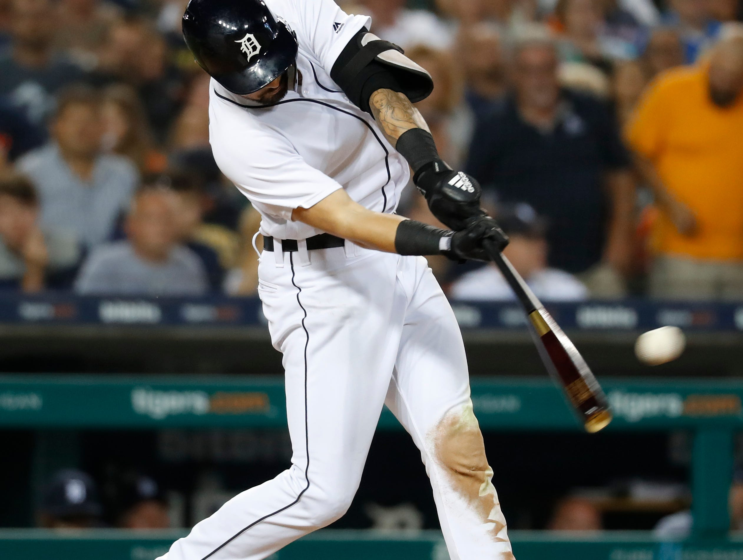 Detroit Tigers' Nicholas Castellanos hits a one-run double in the fifth inning.