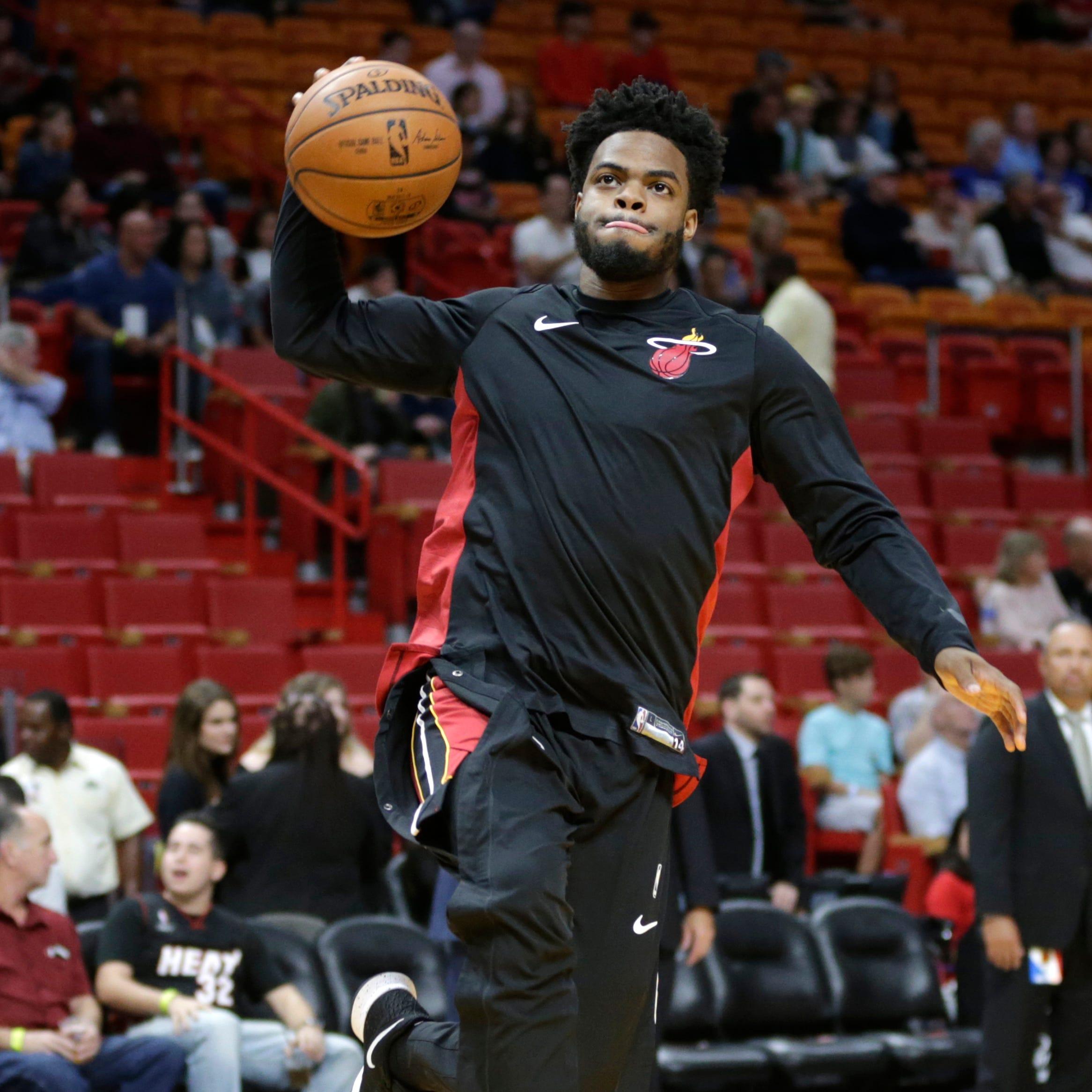 Ex-Wolverine Derrick Walton signs with Chicago Bulls