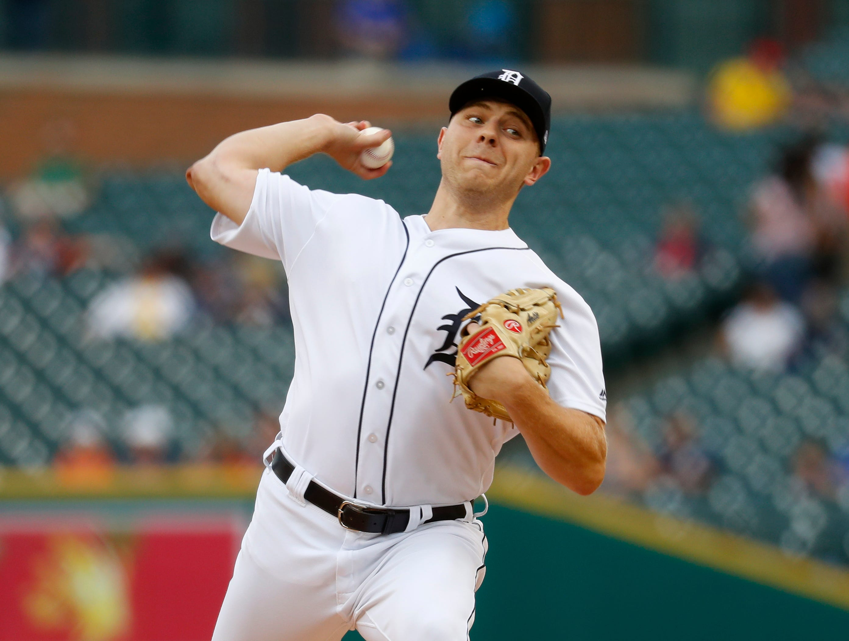 Detroit Tigers pitcher Artie Lewicki throws against the Chicago White Sox in the first inning in Detroit, Monday, Aug. 13, 2018.