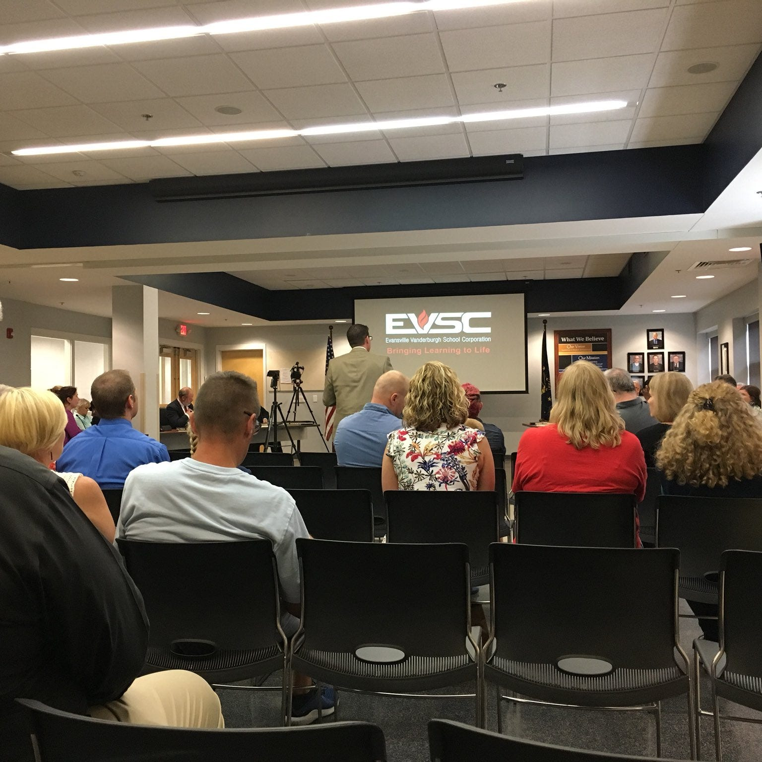 EVSC Board hears 2019 budget proposal and state changes to school district funds