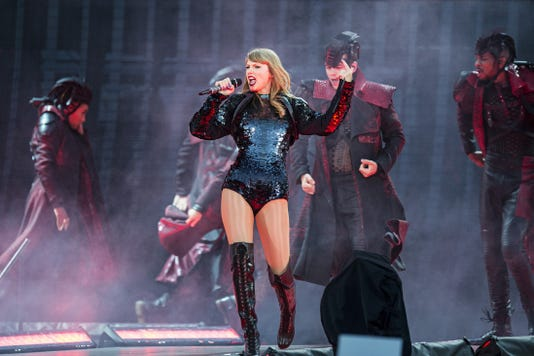Taylor Swift Lucas Oil Stadium