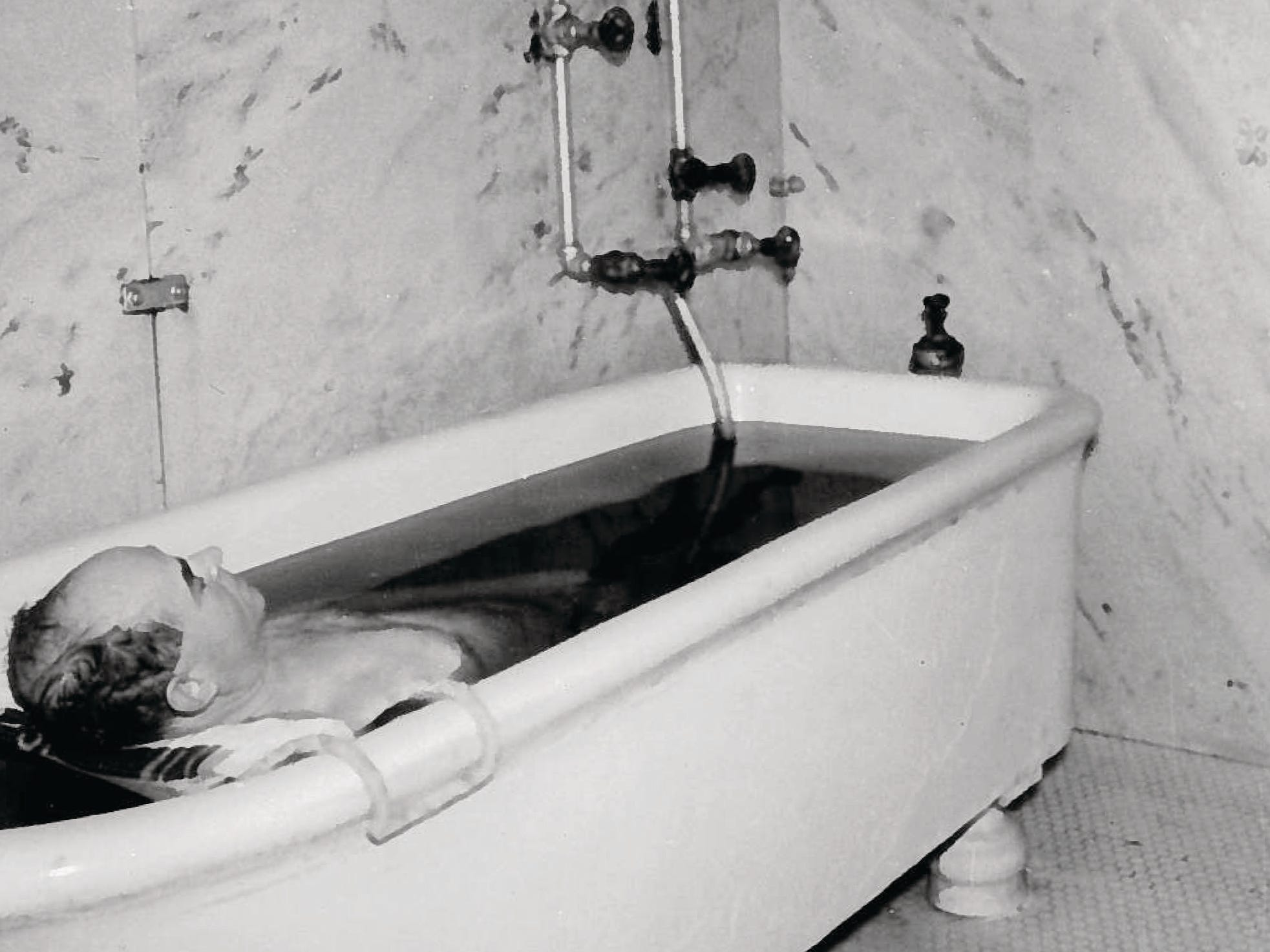 Visitors to the French Lick Springs Hotel took the healing waters of the mineral springs.