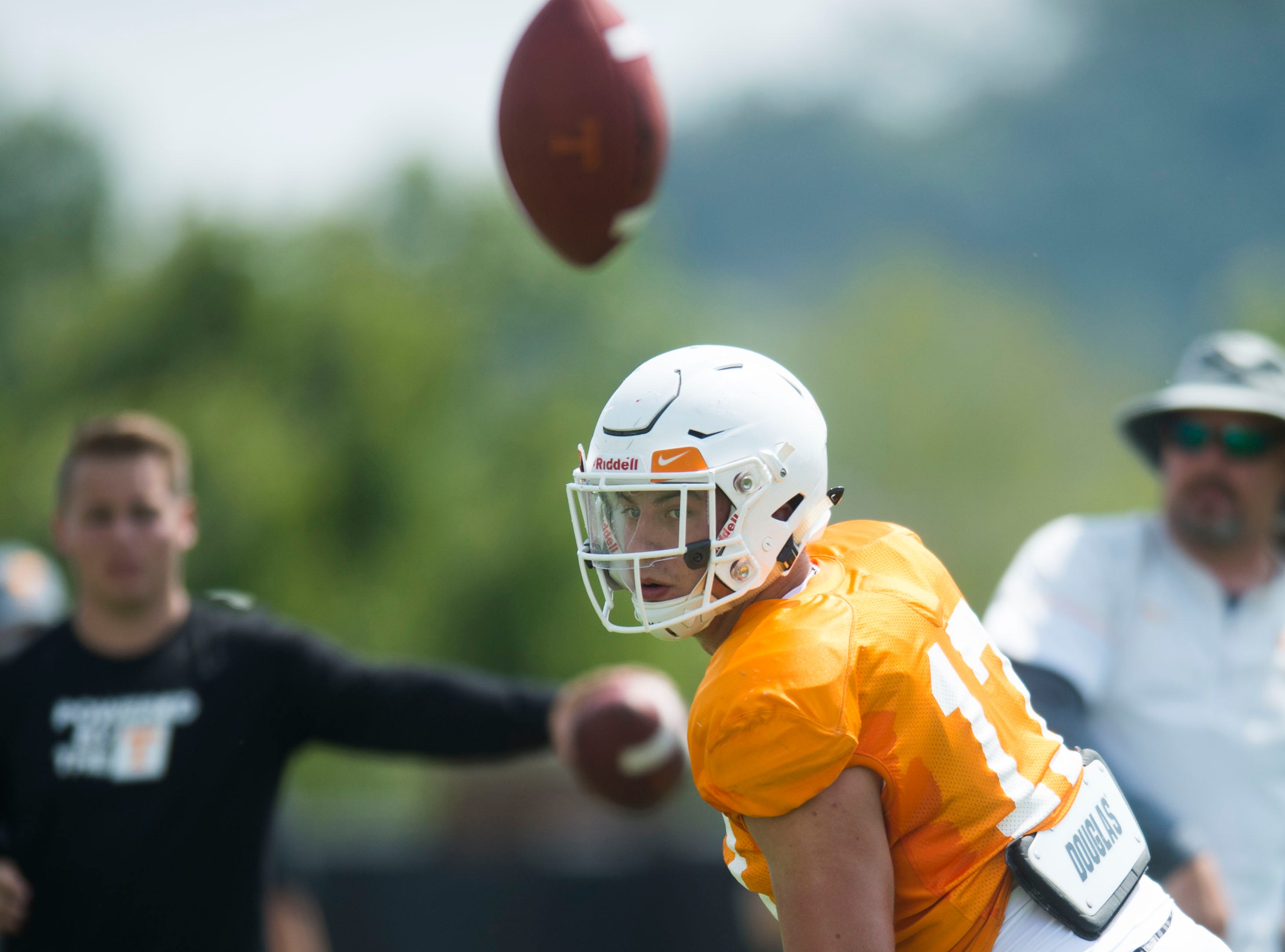 Tennessee linebacker Dillon Bates (17) watches the ball at preseason Vols football practice Tuesday, Aug. 14, 2018.