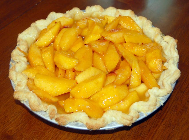 This peach pie is simple and delicious.