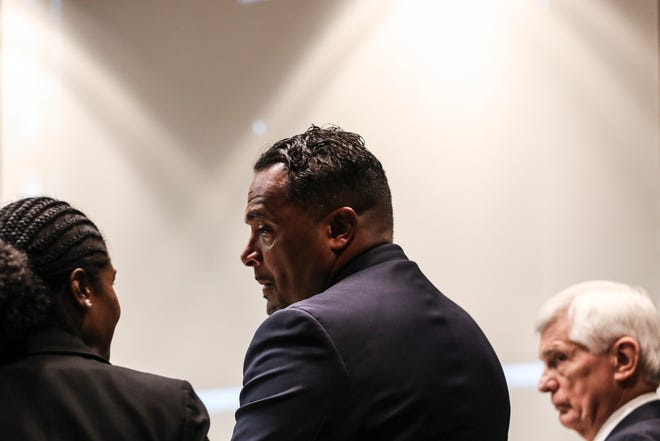 August 14, 2018 - Attorney Art Horne, center, appears in court on Tuesday. Horne's case is being handled by a special prosecutor and special Judge Bill Acree.