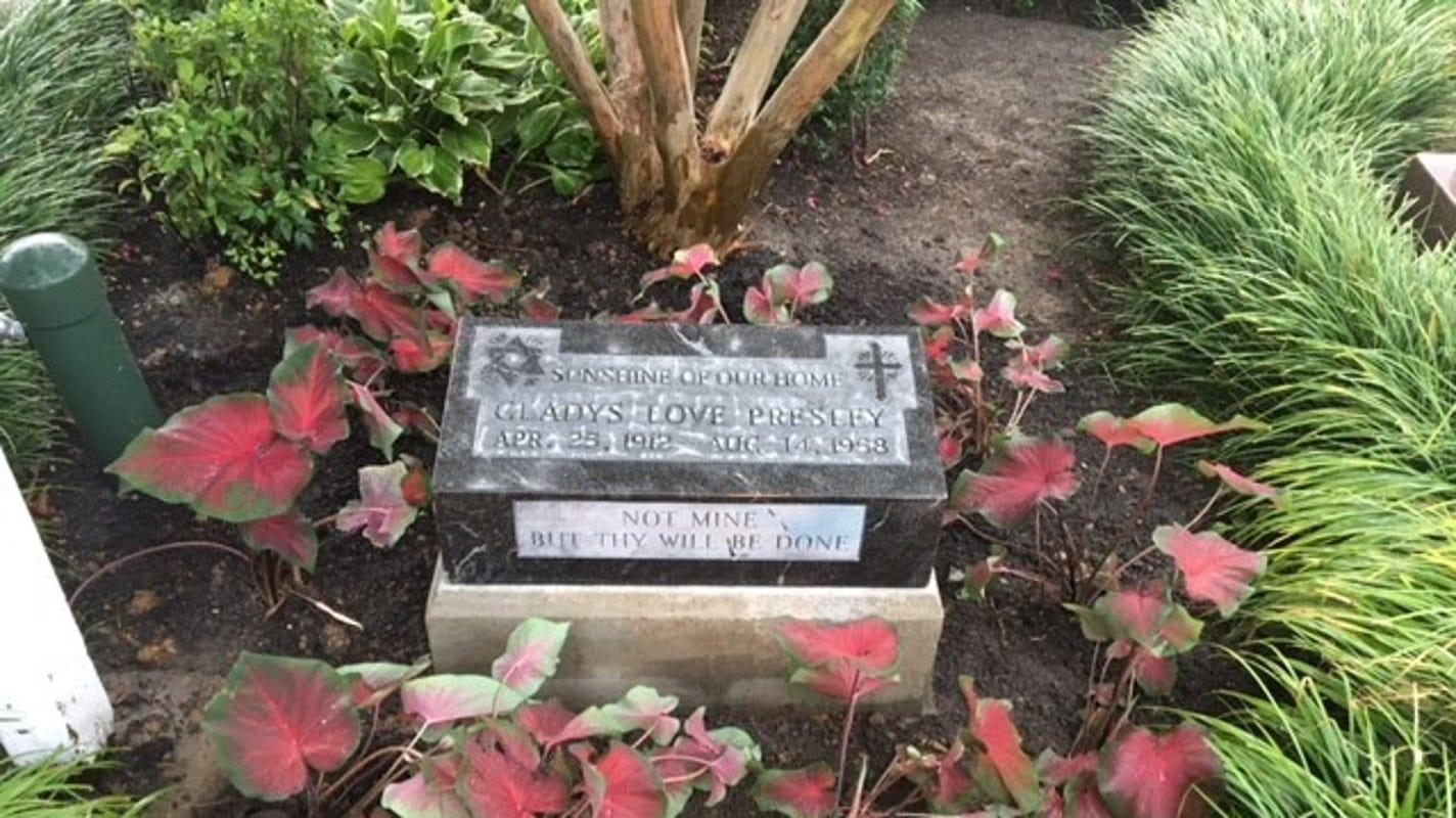 Elvis designed tombstone for mother gladys presley back at graceland izmirmasajfo