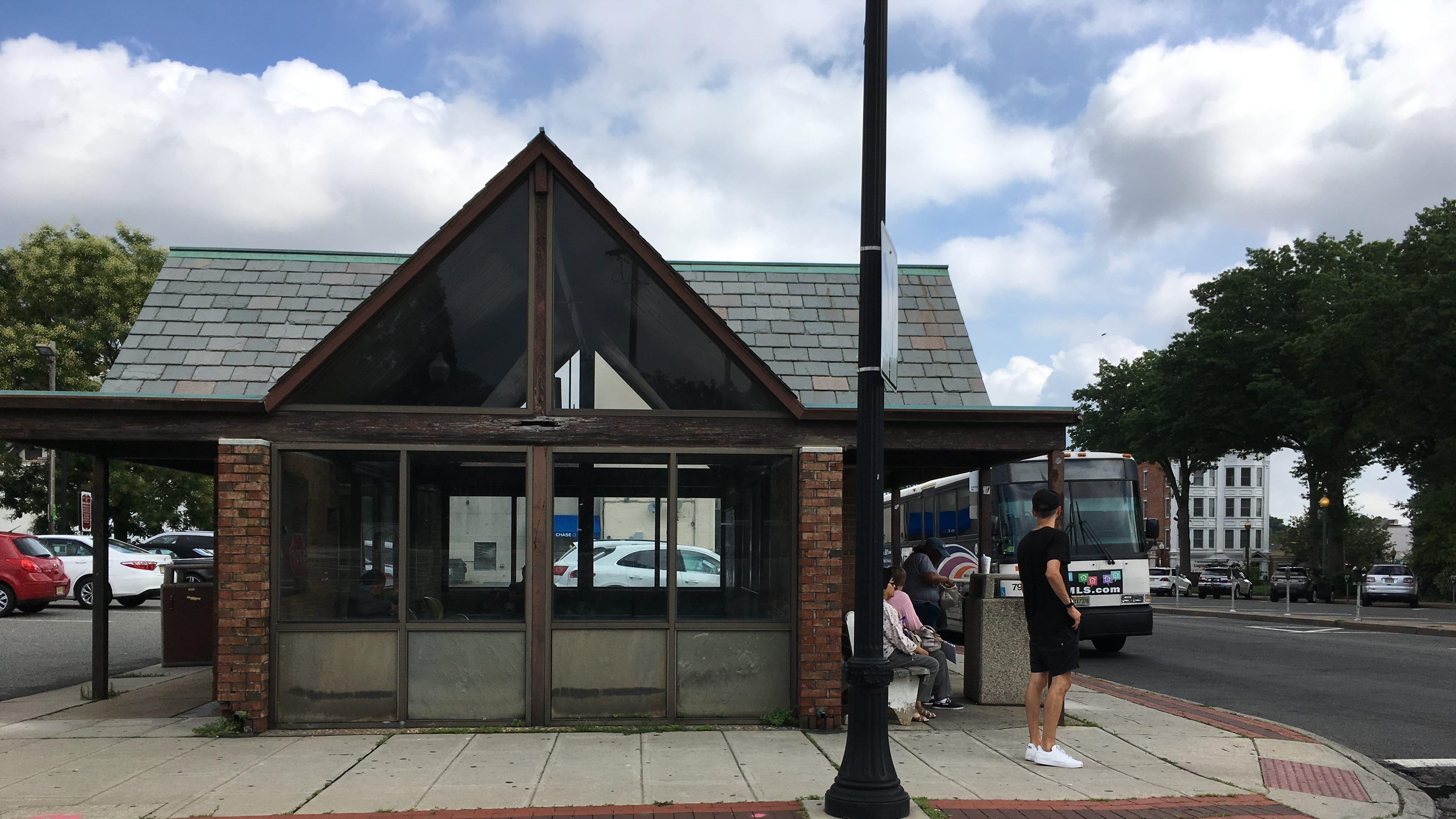 NJ Transit to replace run-down bus shelter at Ridgewood's Van Neste Square