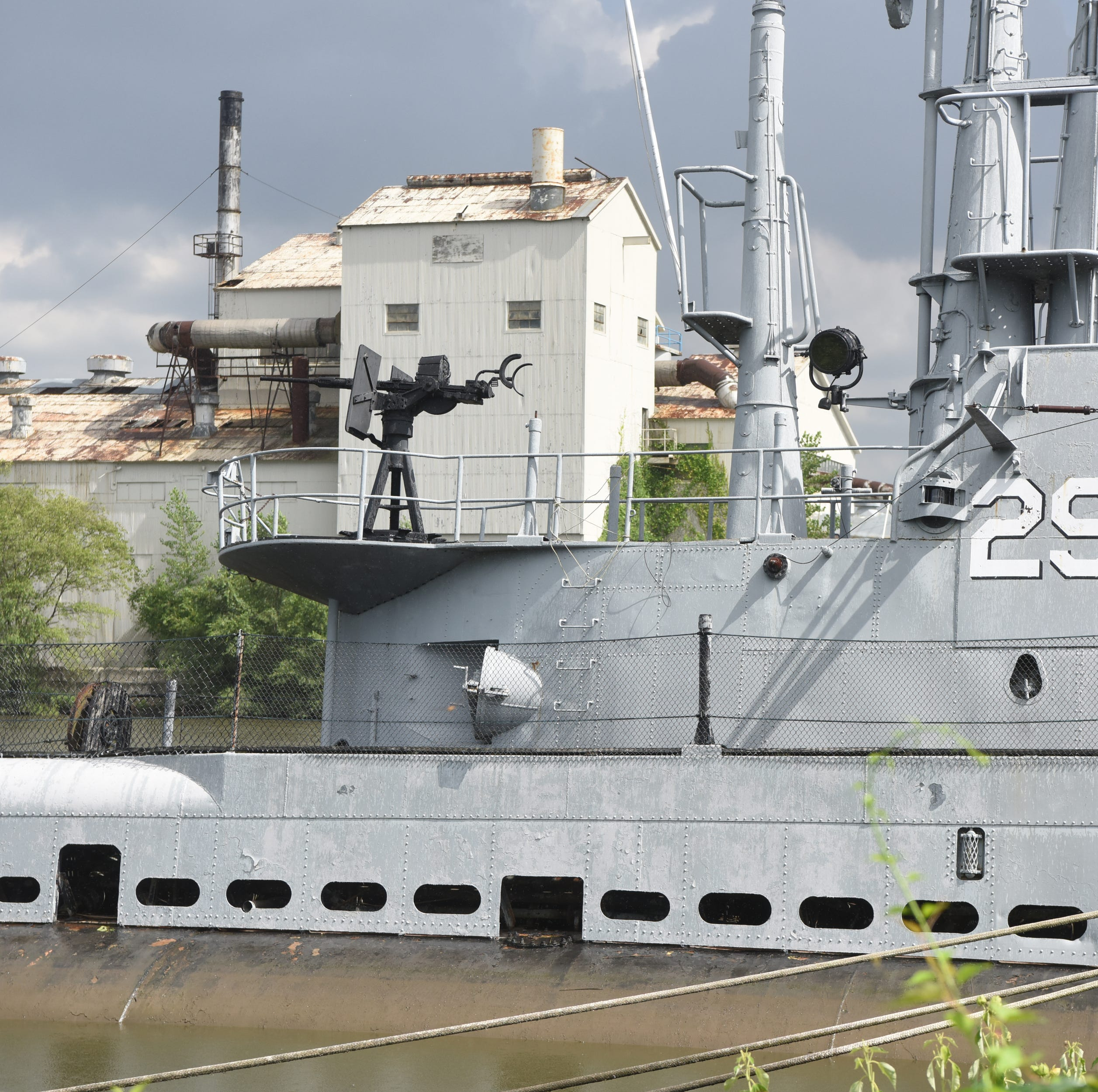 Hackensack submarine USS Ling apparently flooded intentionally, memorial plaques stolen