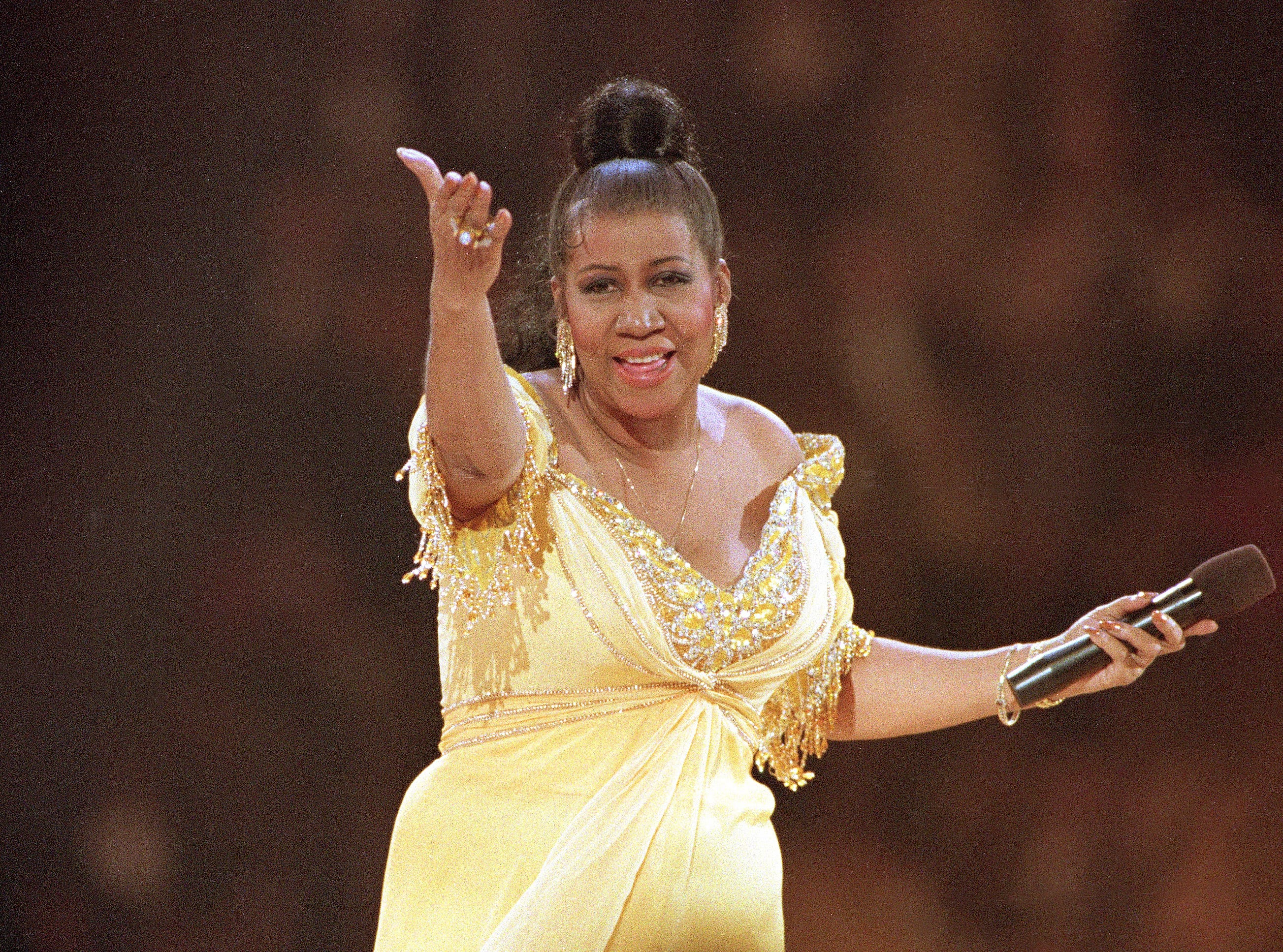 In this Jan. 19, 1993 file photo, singer Aretha Franklin performs at the inaugural gala for President Bill Clinton in Washington.