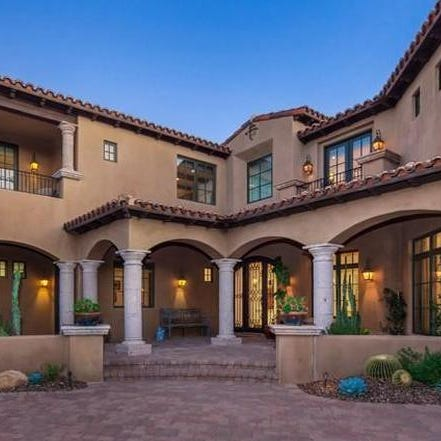 $2.3M Scottsdale home on fairway of 4th hole of Mirabel Golf Course