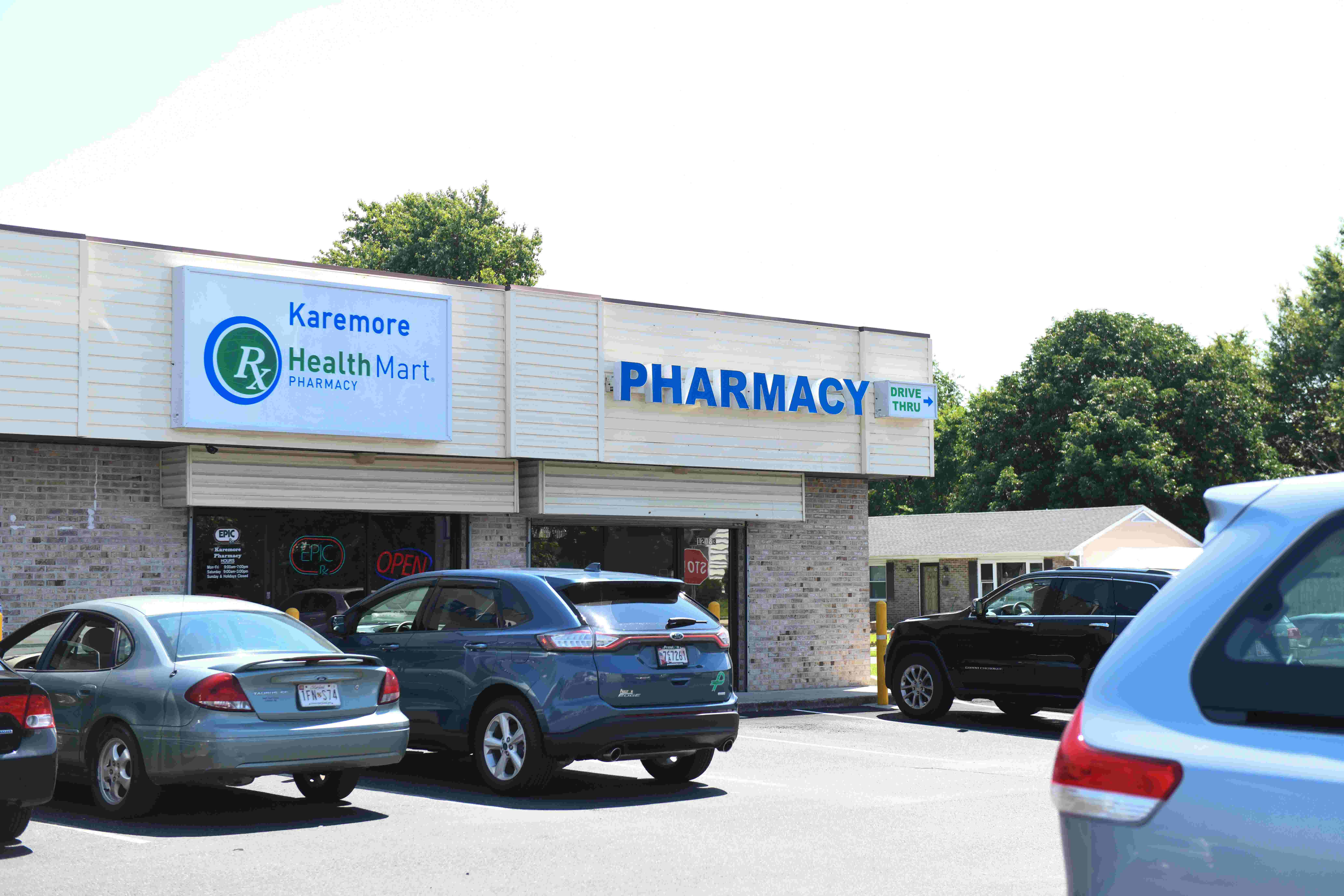 WATCH: Armed pharmacist chases off would-be robbers