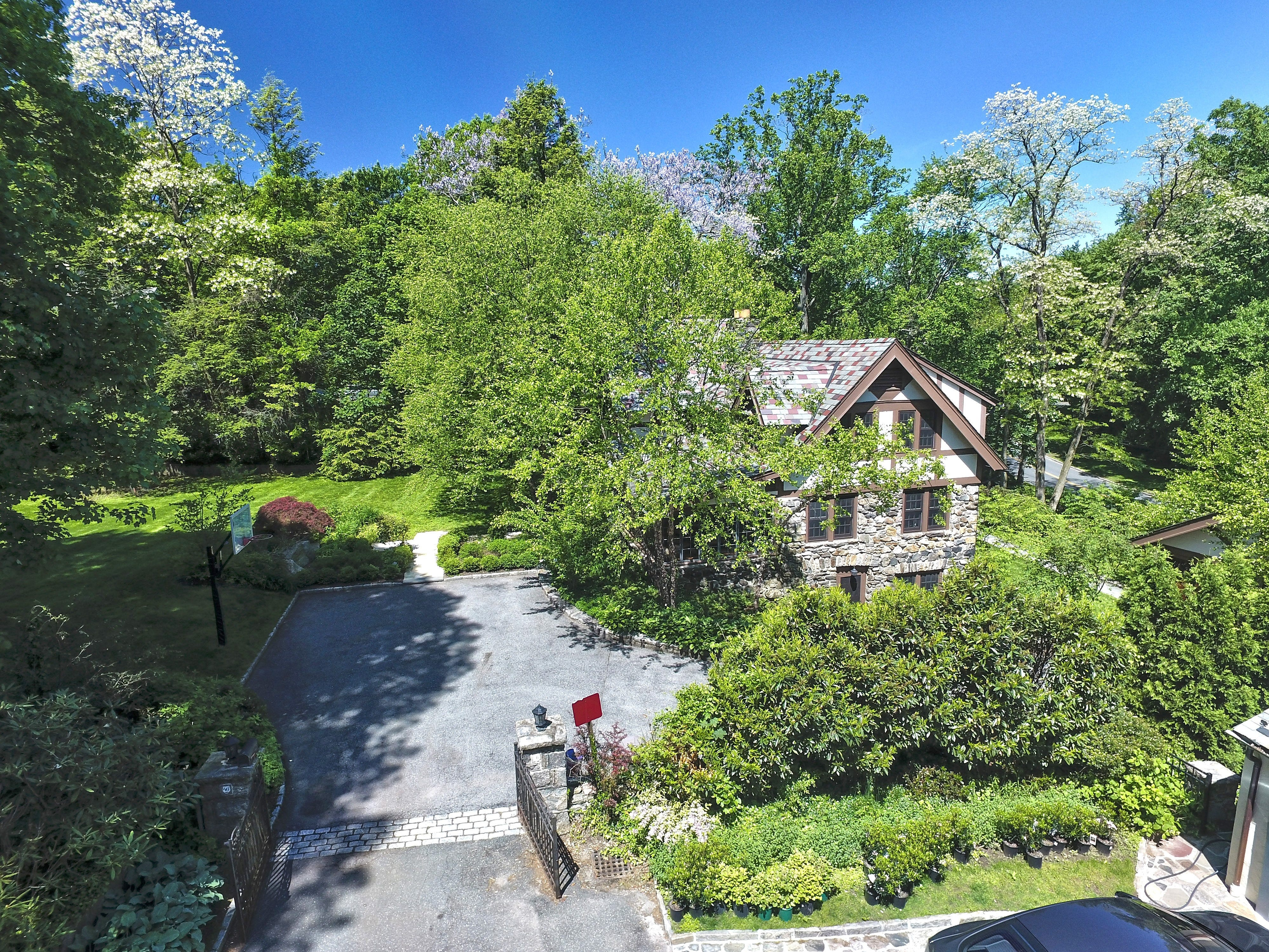 Bugsy Siegel reportedly owned and lived in this Scarsdale home in the 1920s.