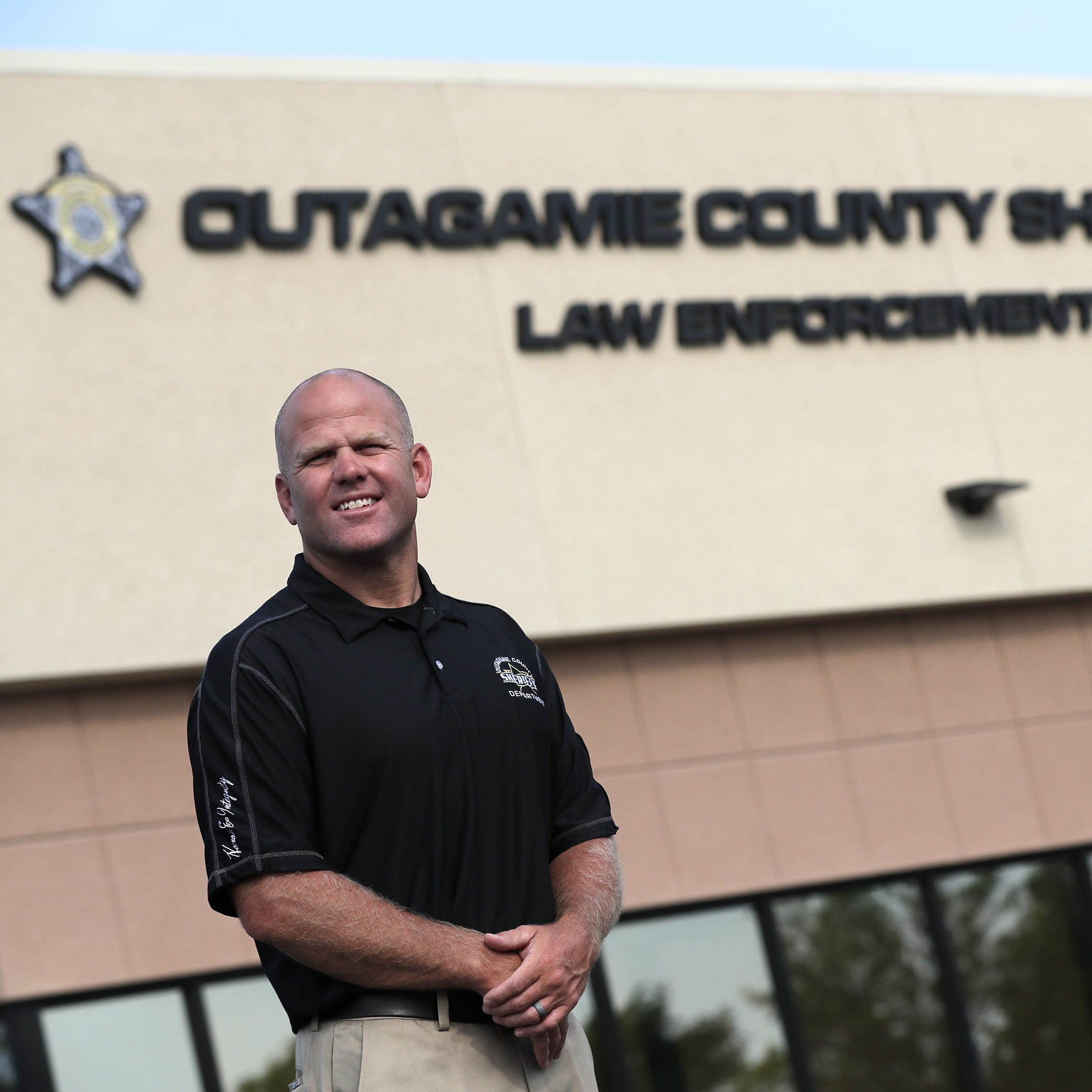 Ex-NFL player Clint Kriewaldt to take team approach to Outagamie County sheriff job