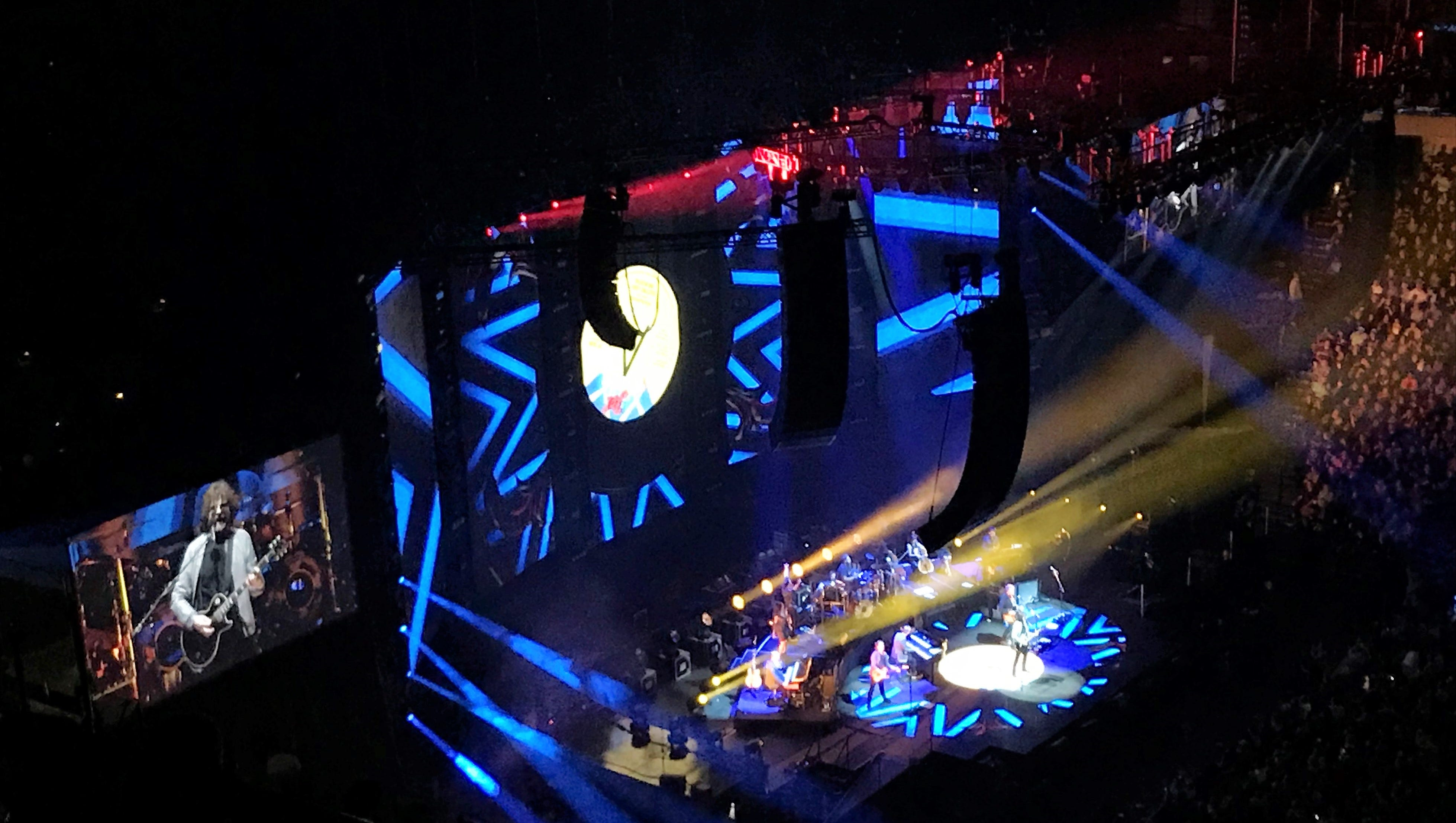 Jeff Lynne, seen left on video screen, still fronts the Electric Light Orchestra, which lit up the American Airlines Center in Dallas on Monday.