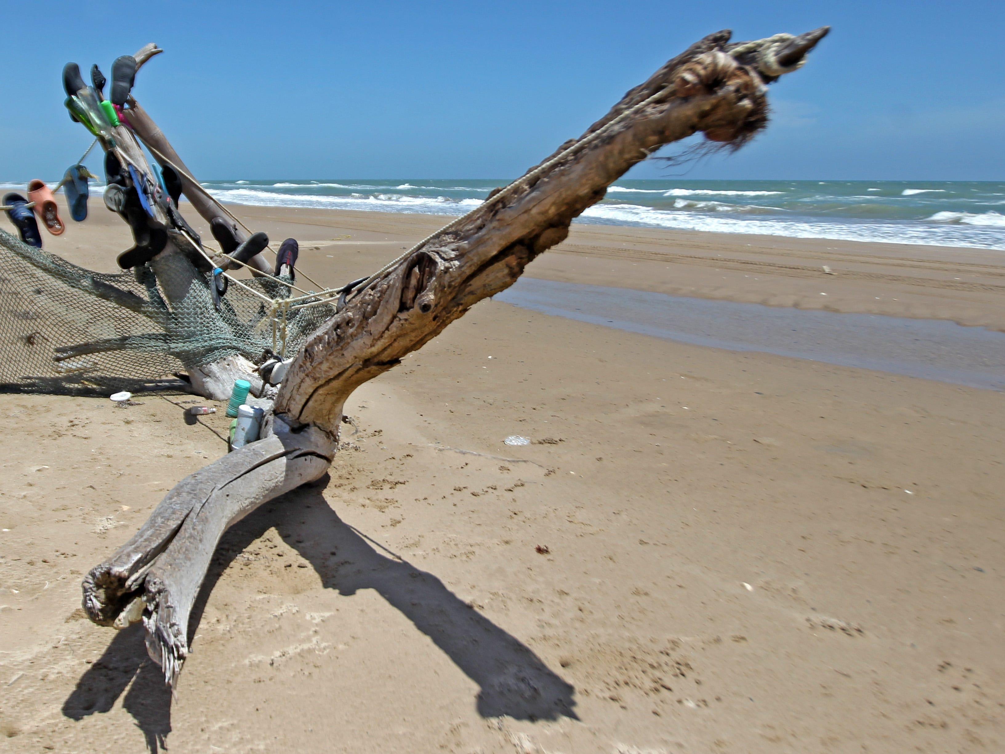 Visitors occasionally create beach-debris sculptures.