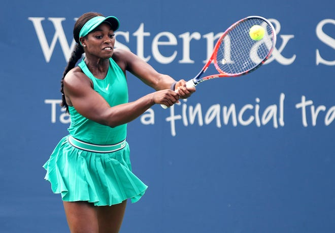 Sloane Stephens returns a serve from Tatjana Maria during the Western & Southern Open at the Lindner Family Tennis Center in Mason on Wednesday.