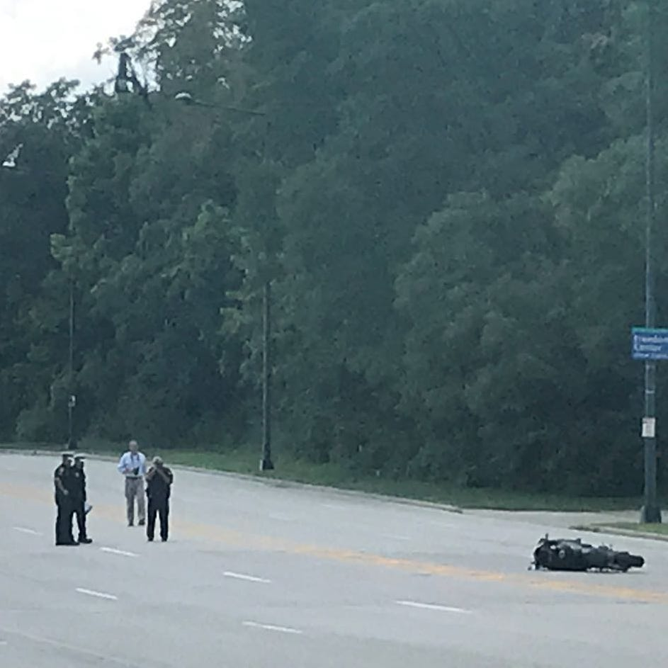 Motorcyclist, 21, killed after semi's 'improper' U-turn on Columbia Parkway