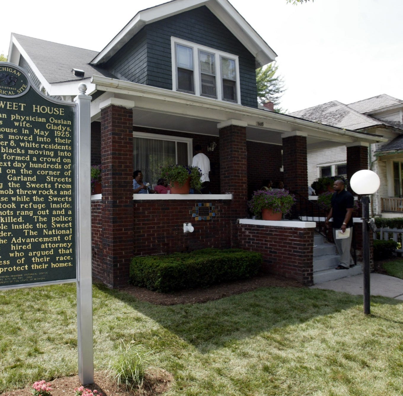 Detroit fights to save home in deserted neighborhood: Why it's a good sign