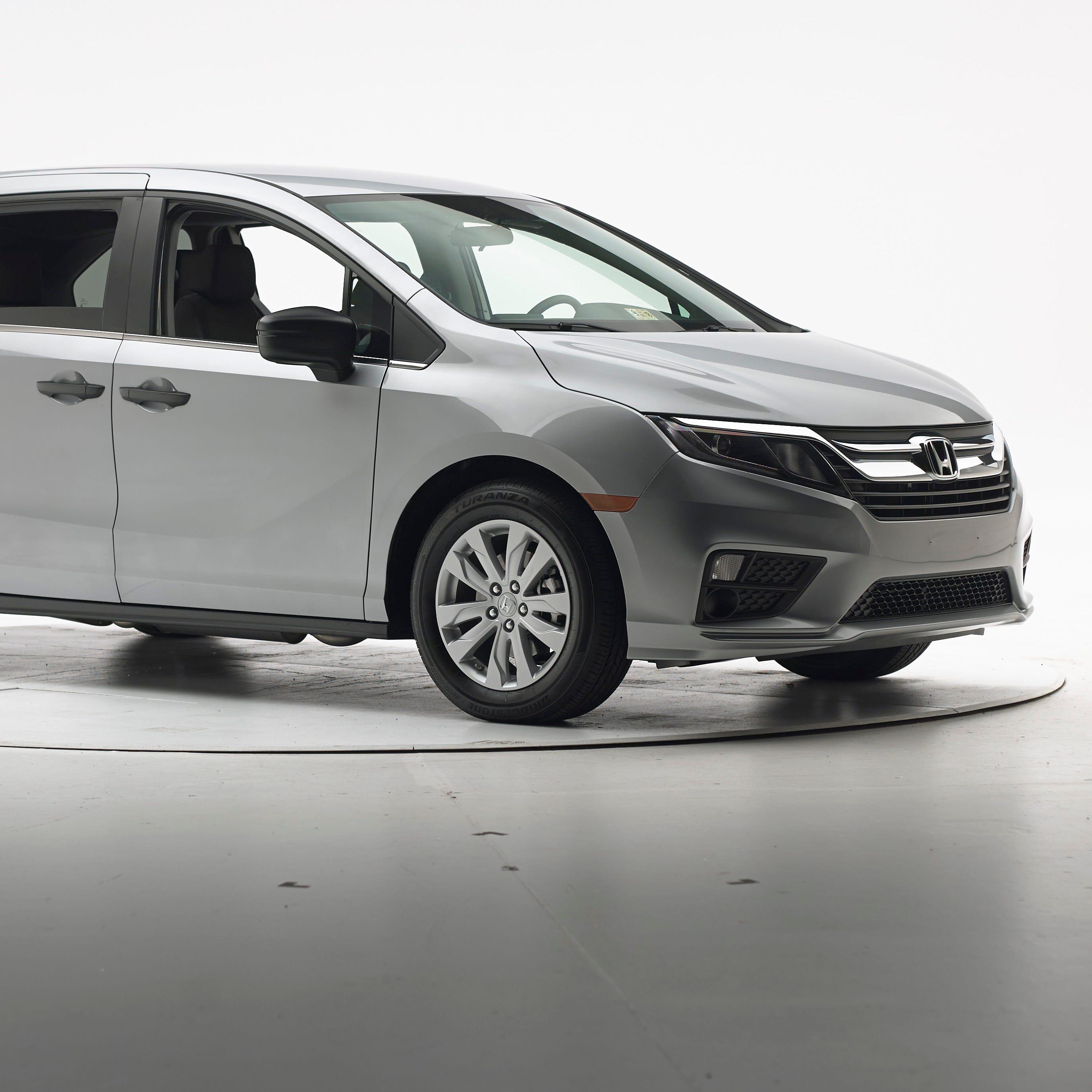 Honda Odyssey tops minivans in new crash test
