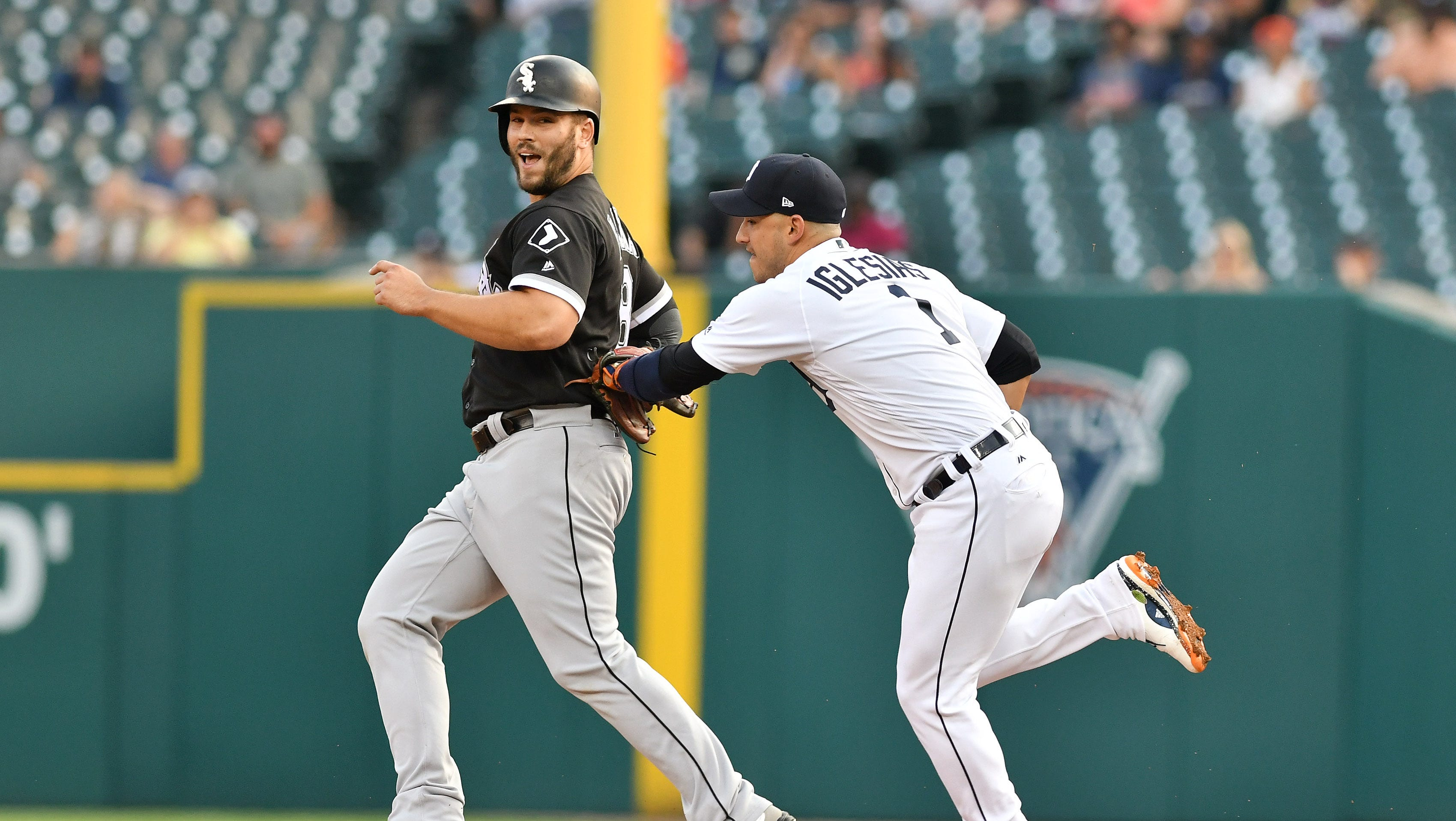 'Bad News Bears': Crazy play sets tone in Tigers' loss