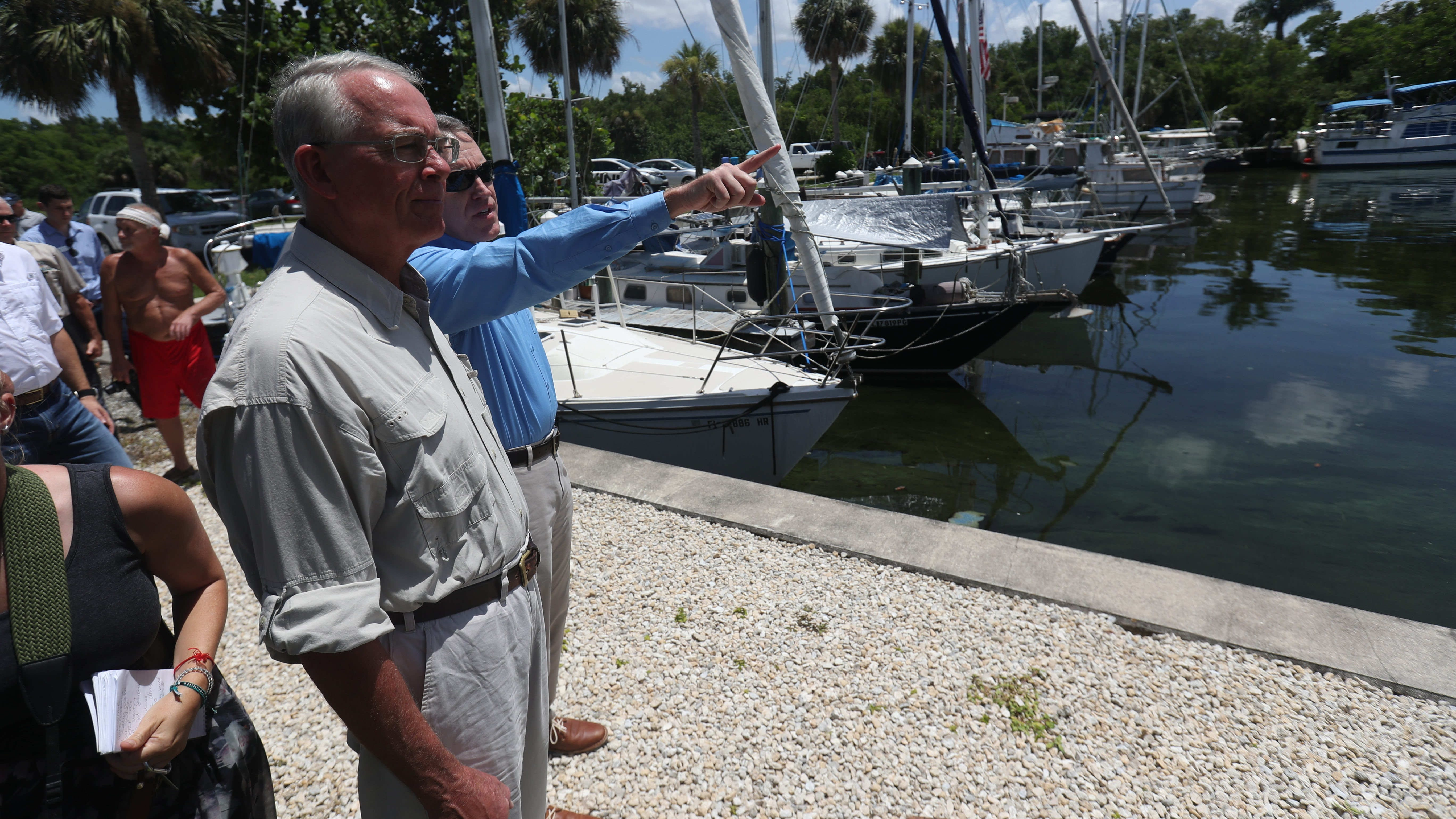 Florida algae crisis: Rooney rallies feds through Fort Myers area tour