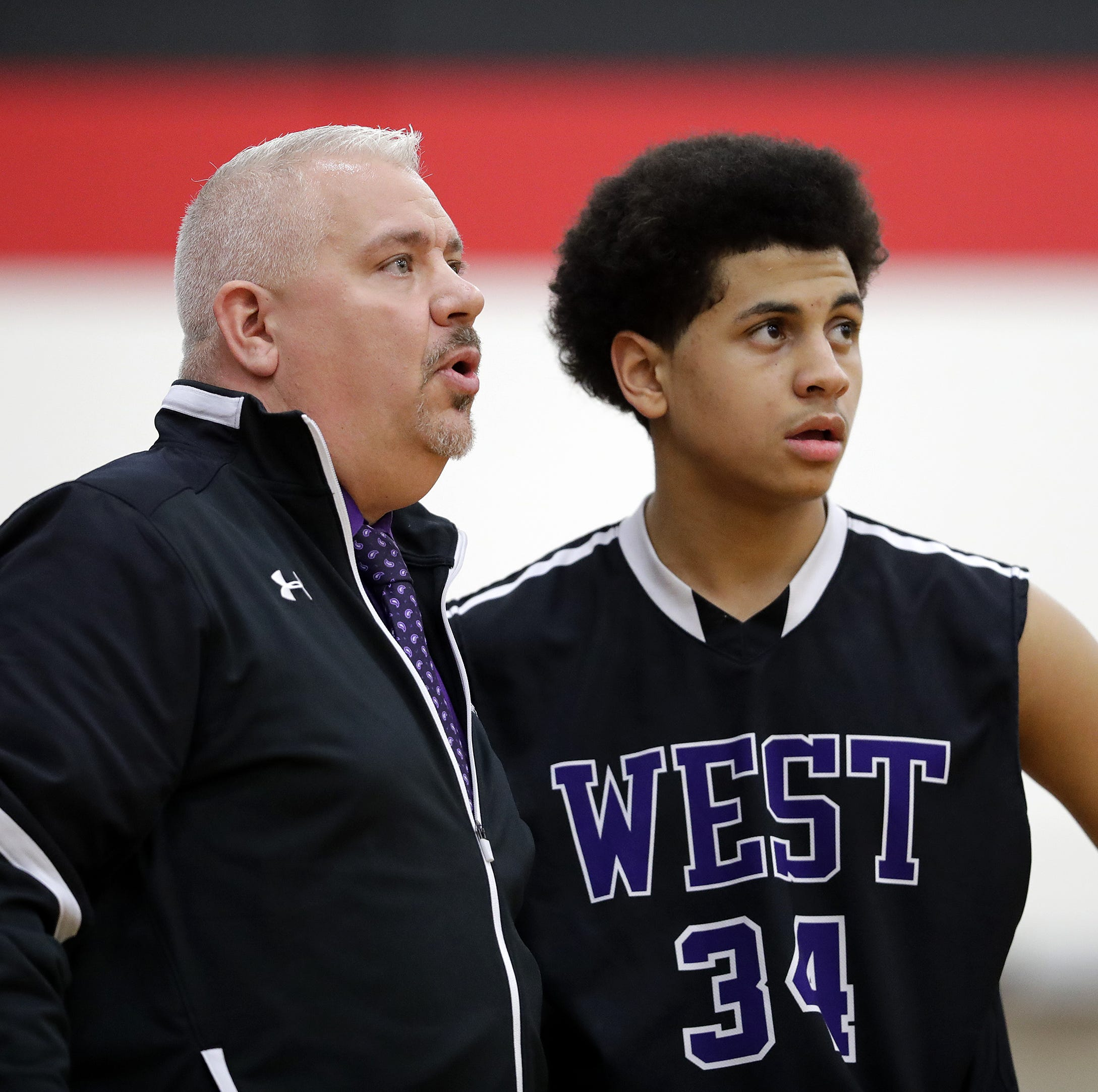 High school basketball: Chris Harris steps down at Green Bay West