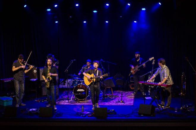 Burris will perform at Artmosphere Saturday.