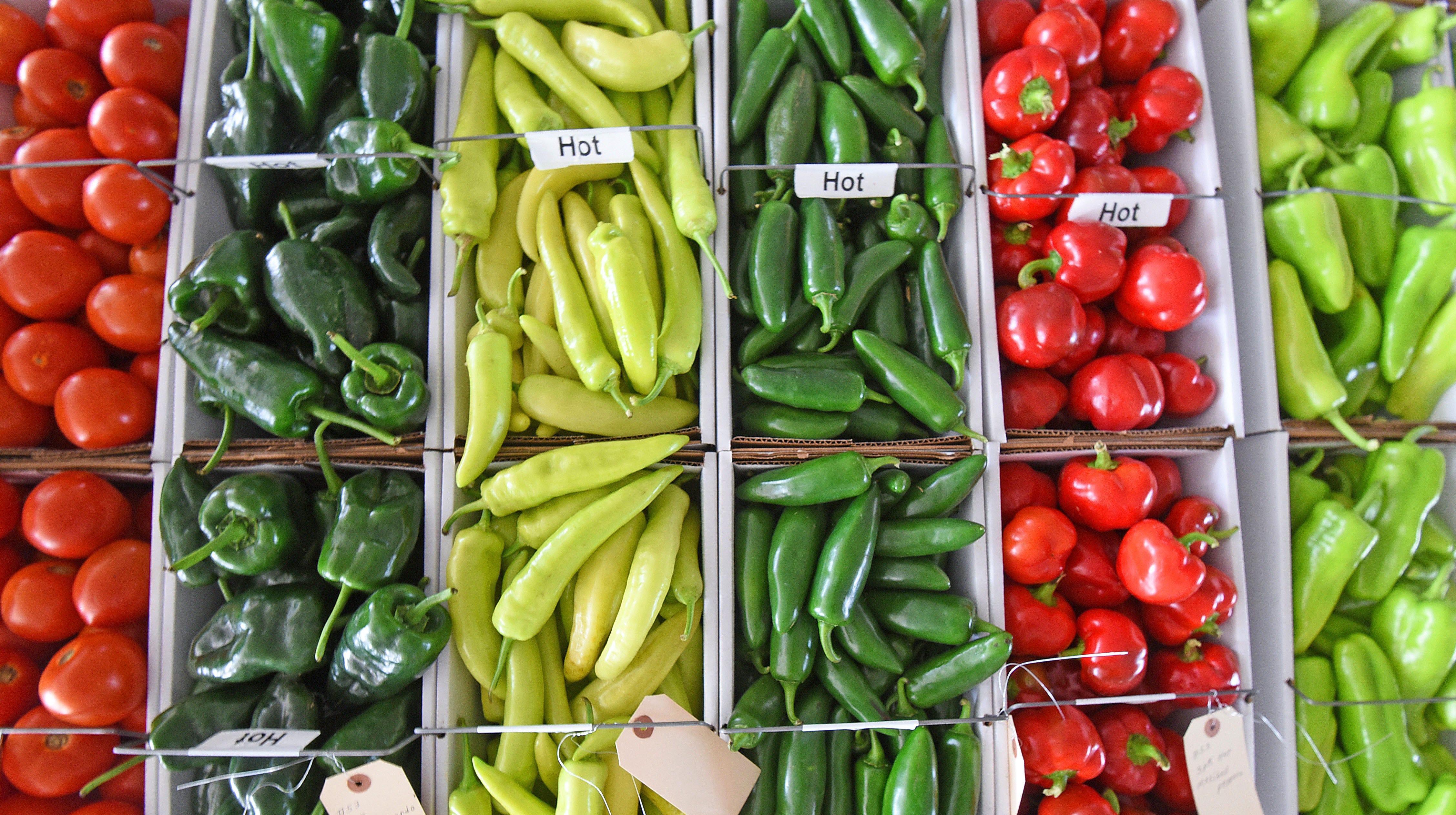 Owl Creek Produce Auction 'a full house of summer produce'