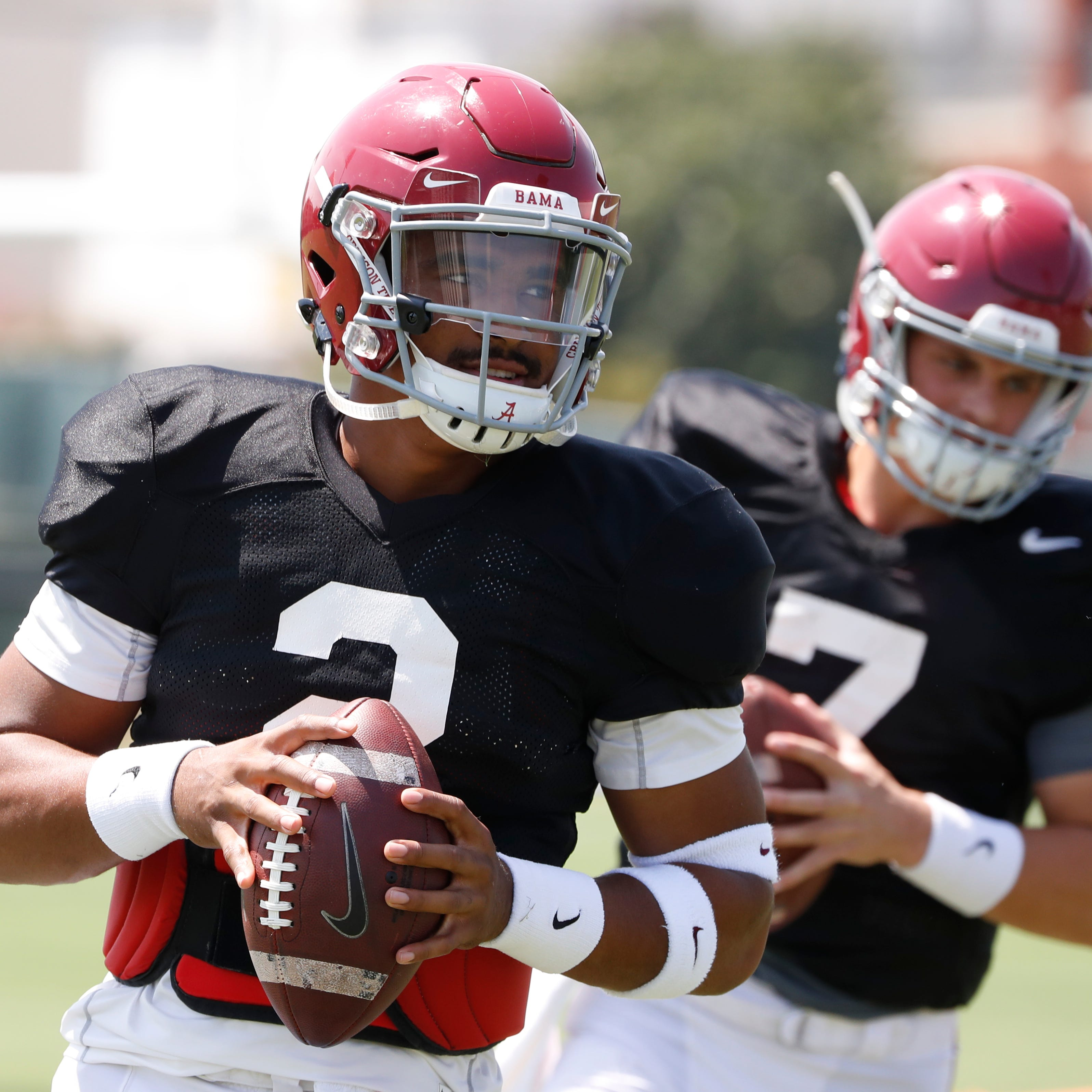 Rankin: 'Select boosters' stir up Alabama QB controversy