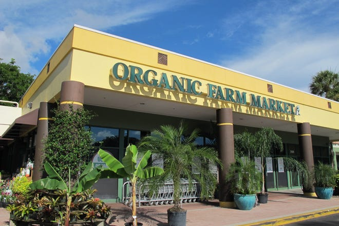 Oakes Farms' Food & Thought organic produce store in Naples.