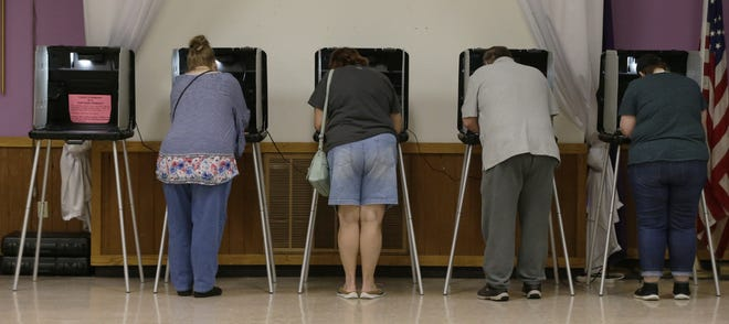 Oshkosh residents cast their votes Tuesday, Aug. 14, 2018, during the fall primary election at the Elks Lodge, which handles Wards 25A, 25B and 26.