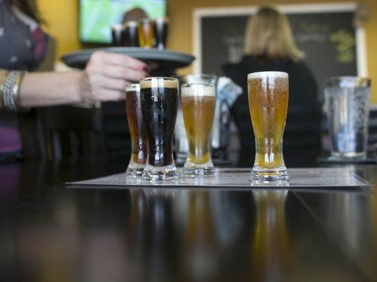 Microbrews artesanales en Peoria Artisan Brewery en Peoria.