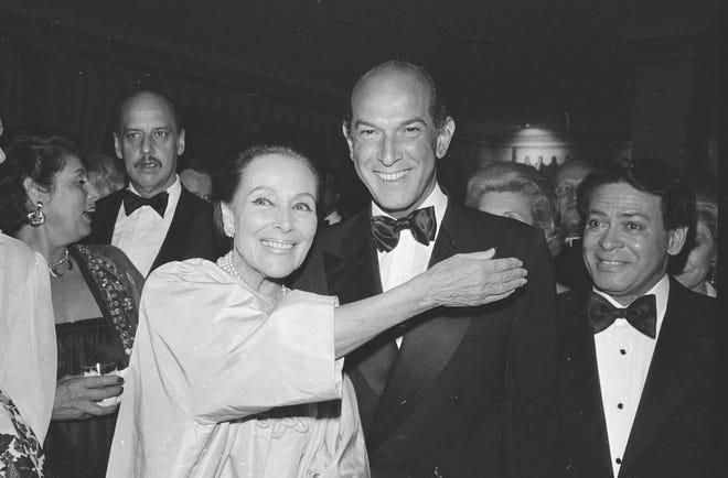 DOLORES DEL RÍO (der) | Se le considera una de las máximas estrellas del cine mexicano y de Hollywood.