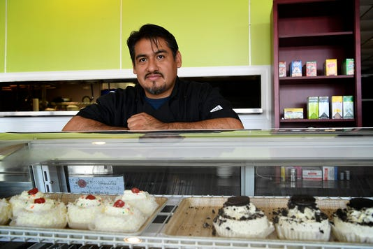Mexican Immigrant Opens Bakery In City