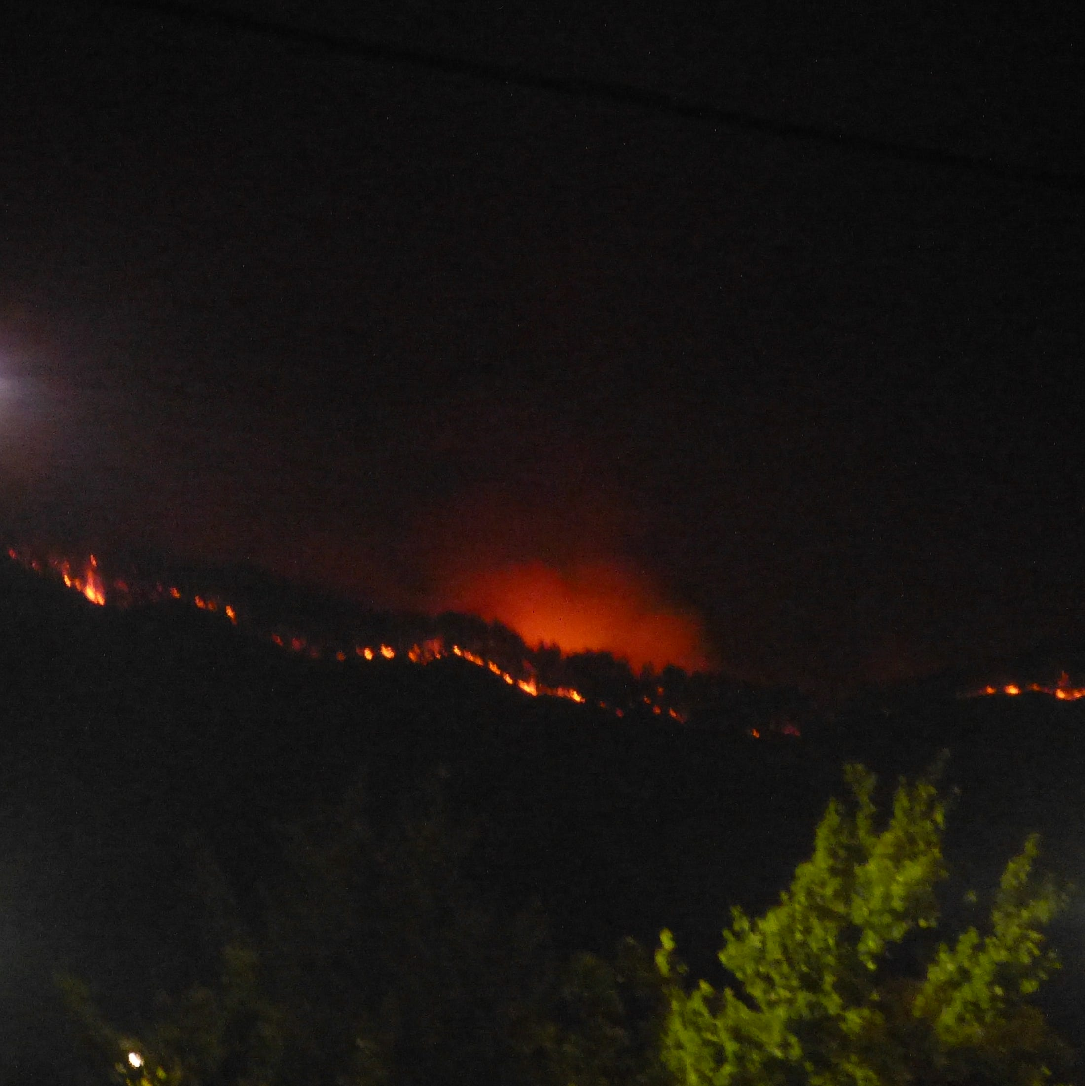 Update: Firefighters setting controlled fires north of Redding