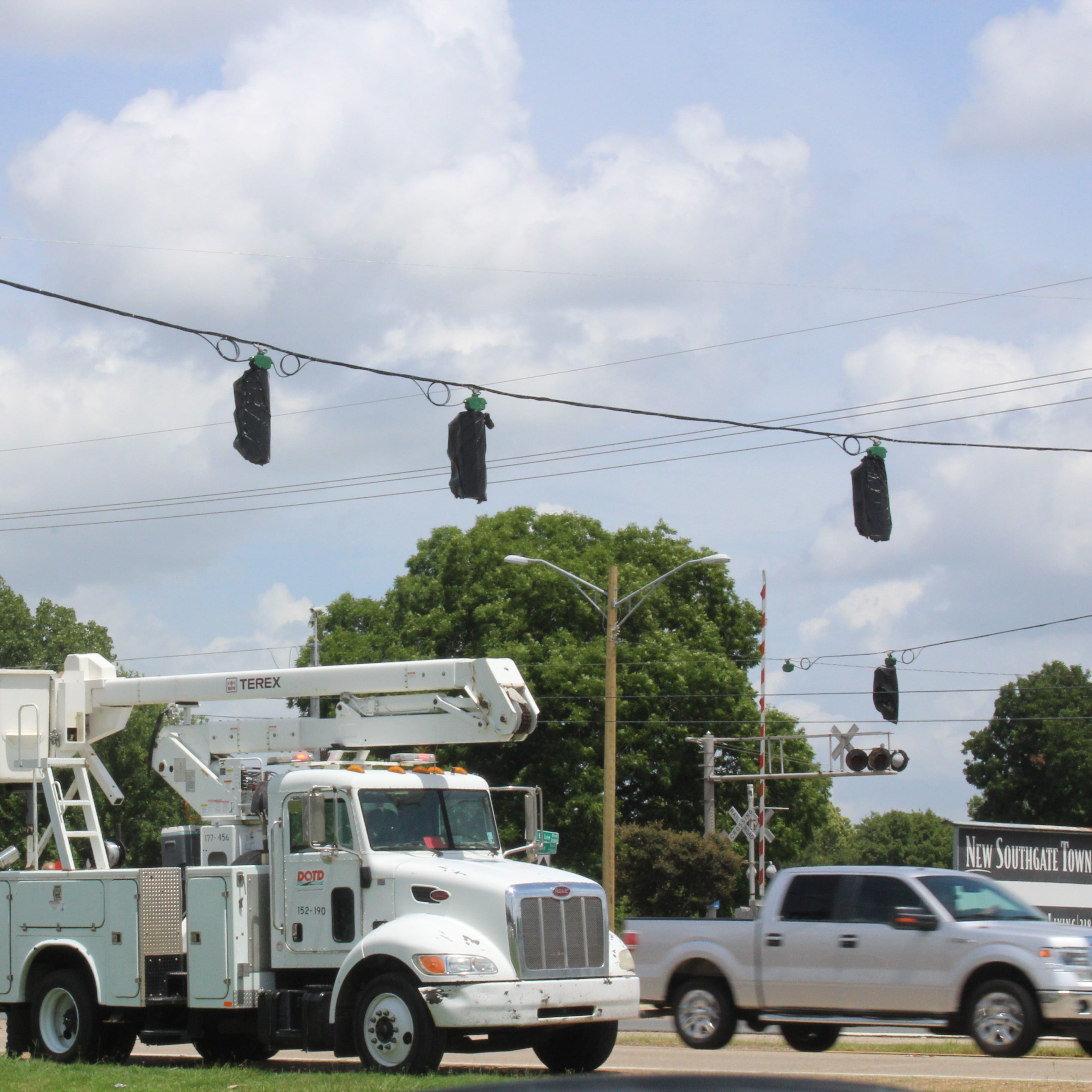 Traffic lights going up at 'dangerous' Bossier intersection