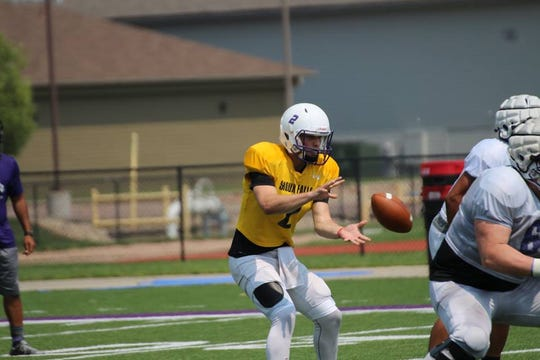 Caden Walters transferred to USF from Dodge City Community College in Kansas.