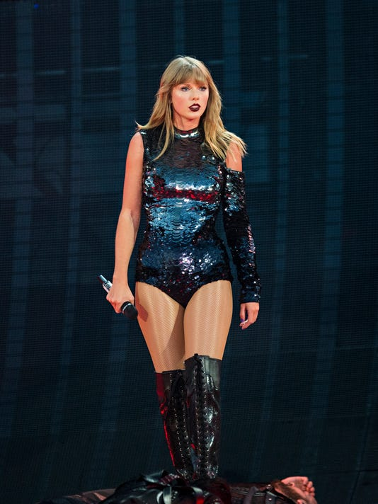 Ap Taylor Swift In Concert Louisville Ky A Ent Usa Ky