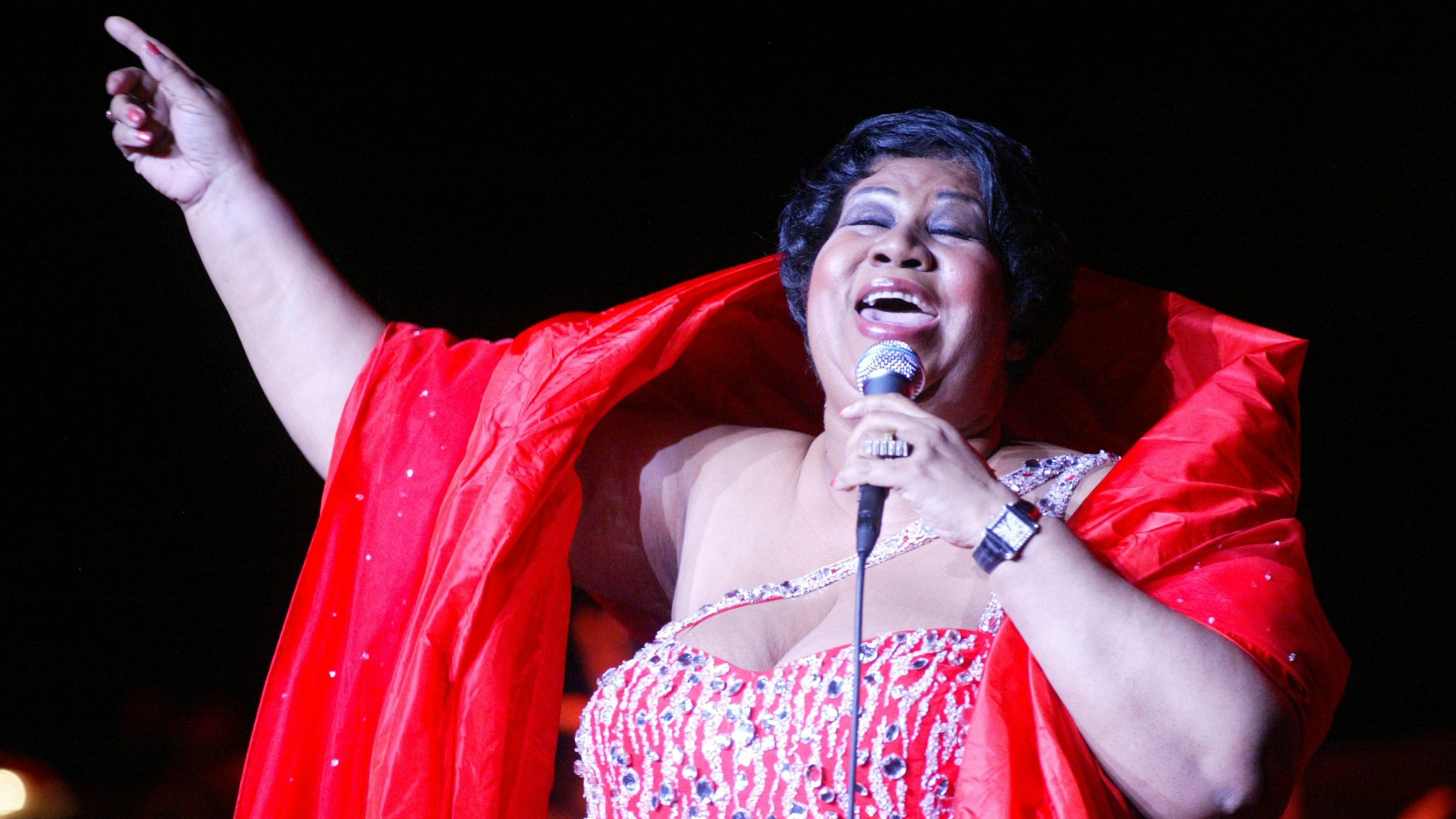 Aretha Franklin sings at the State Theatre in New Brunswick in 2006.