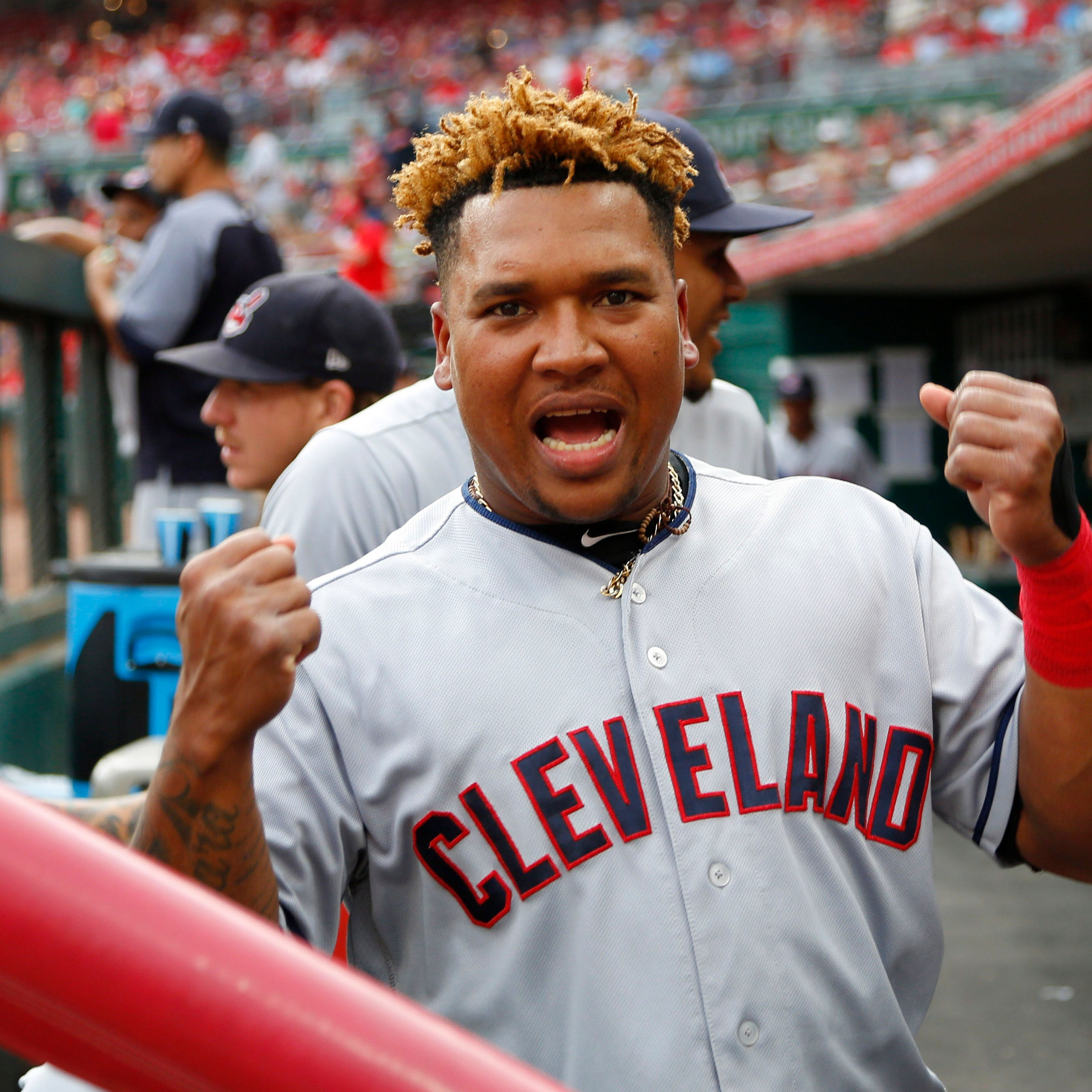 Cincinnati Reds fan wins battle with Indians' Jose Ramirez for foul ball