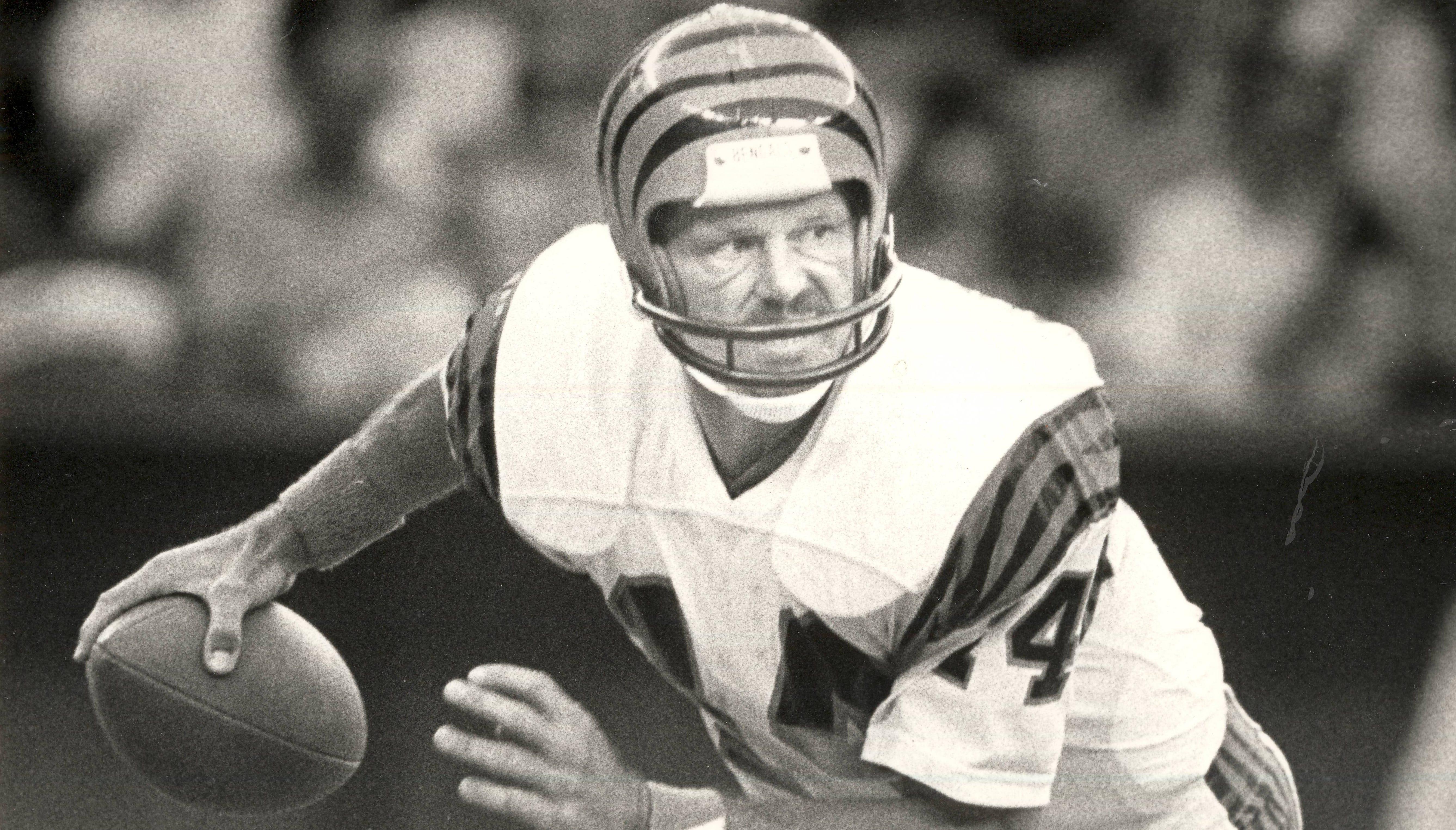 AUGUST 7, 1983: The Kansas City Chiefs pass rush had Bengals quarterback Ken Anderson on the run at Riverfront Stadium.