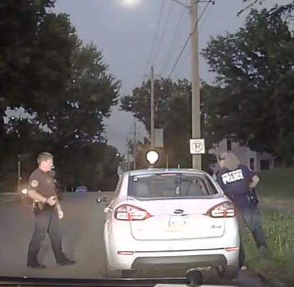 Local activist group accuses Des Moines police officer of racially profiling 2 black men
