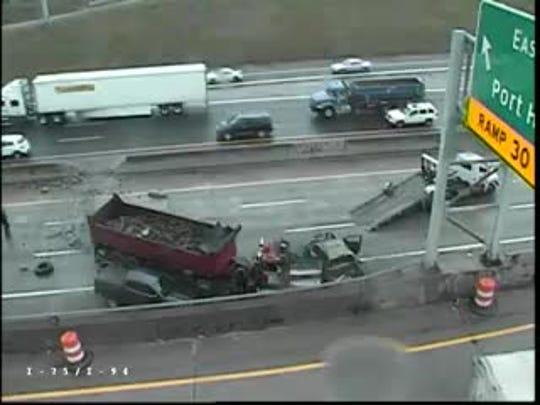 Crash on southbound I-75 at 94.