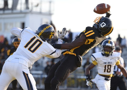 Prep Football Detroit King Vs Detroit East English Village Div 2 Dist Final