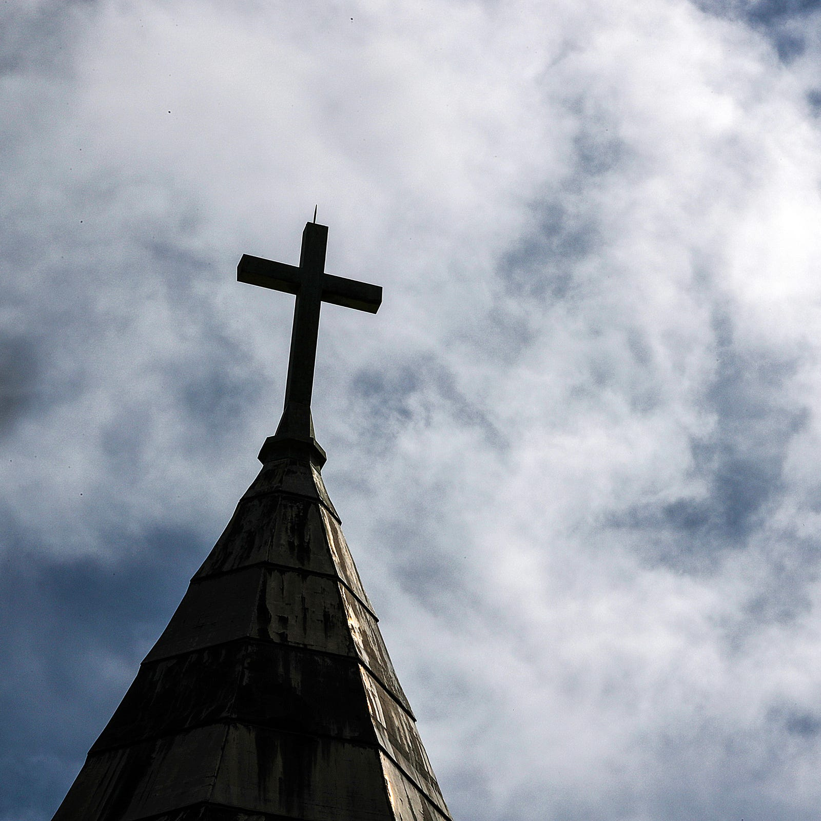 Priest named in Penn. grand jury report transferred to Lafayette diocese