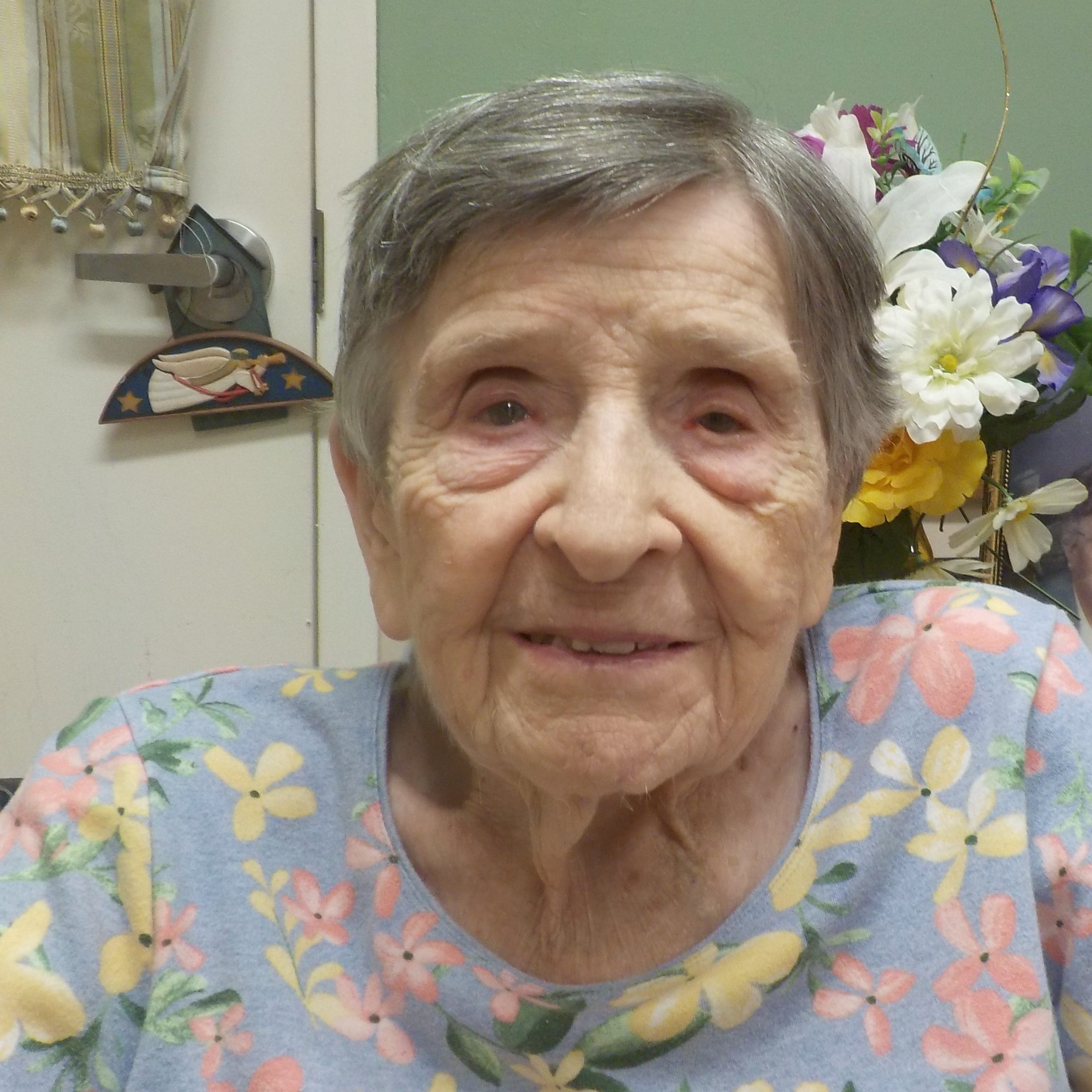 Naomi Dockter celebrating 100th birthday