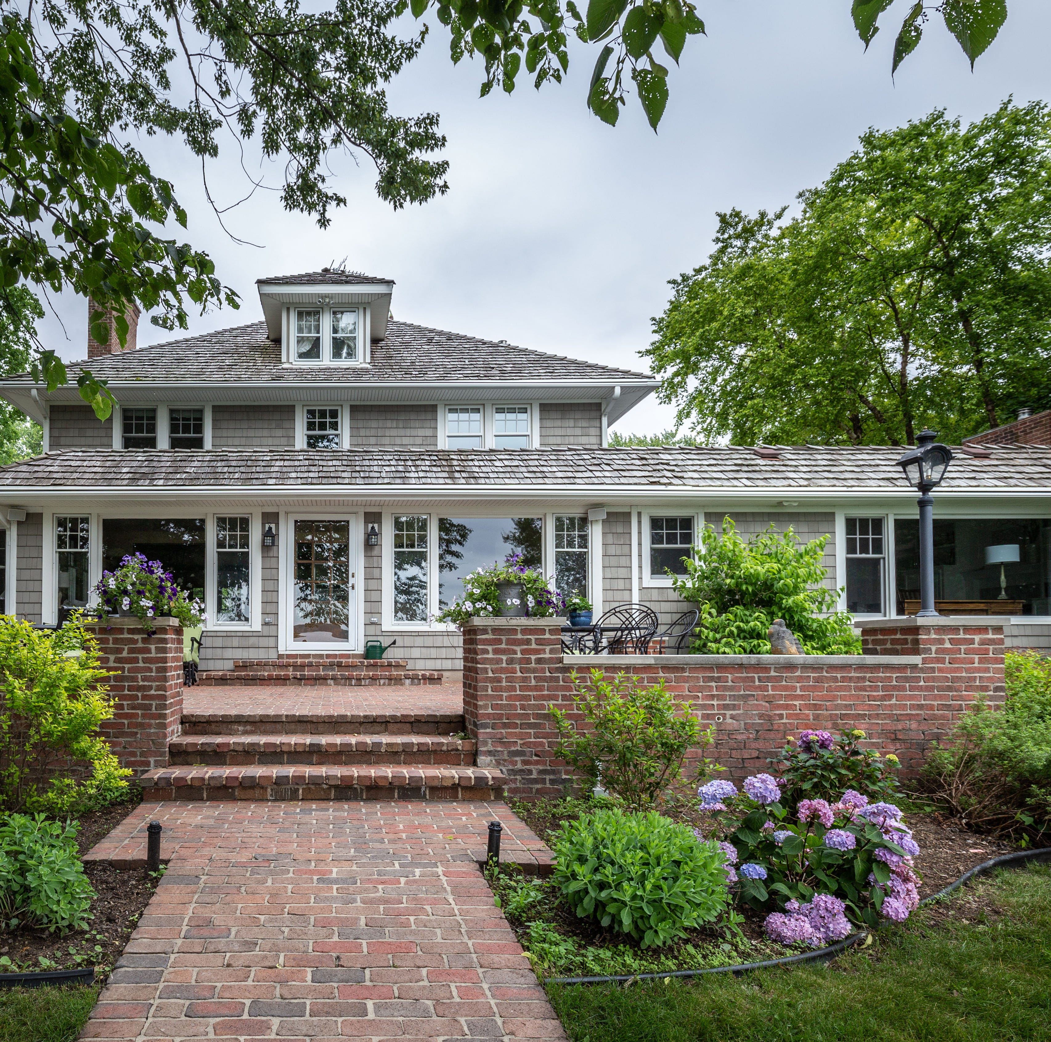Oconomowoc Lake home sells for $2.4 million in two days