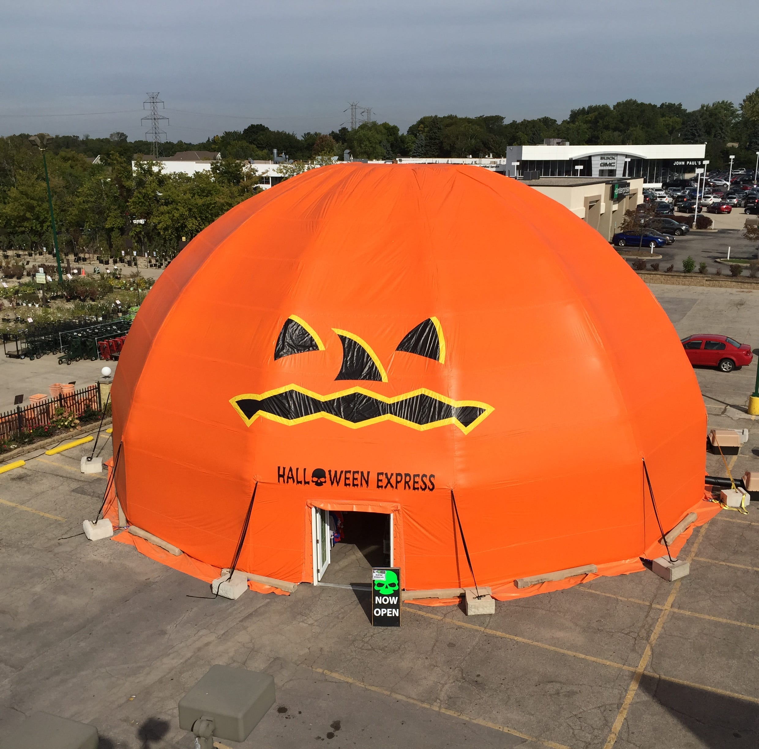 Inflated pumpkin collapse prompts lawsuit from Halloween store's insurer