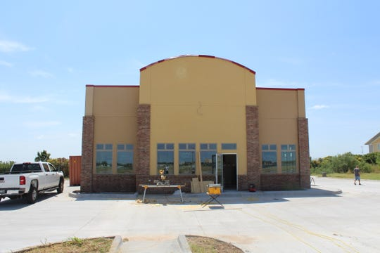 Construction has picked back up at the new Bush's Chicken 1225 Knickerbocker Road.