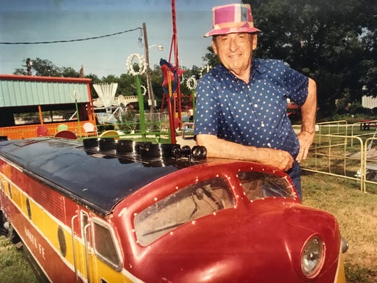 Roy Neff was an engineer who opened an amusement park in San Angelo in 1948, which operated for about 50 years, offering several fun rides along the river in downtown from April to October.